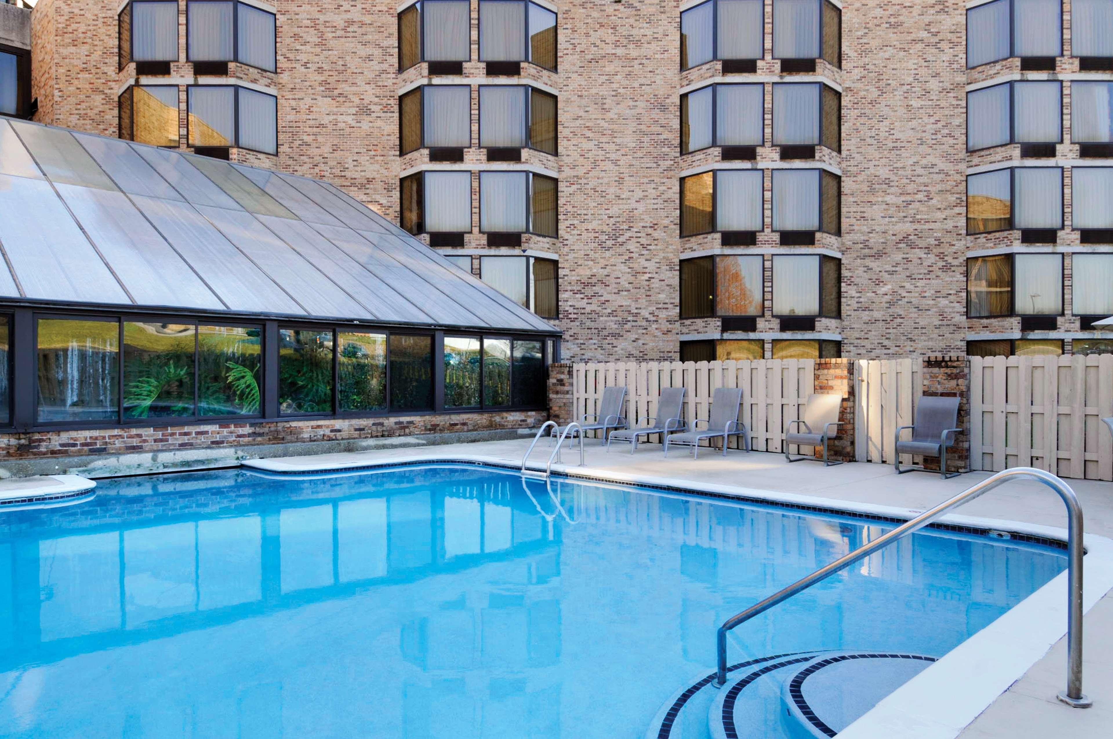 DoubleTree by Hilton Hotel Johnson City image 3