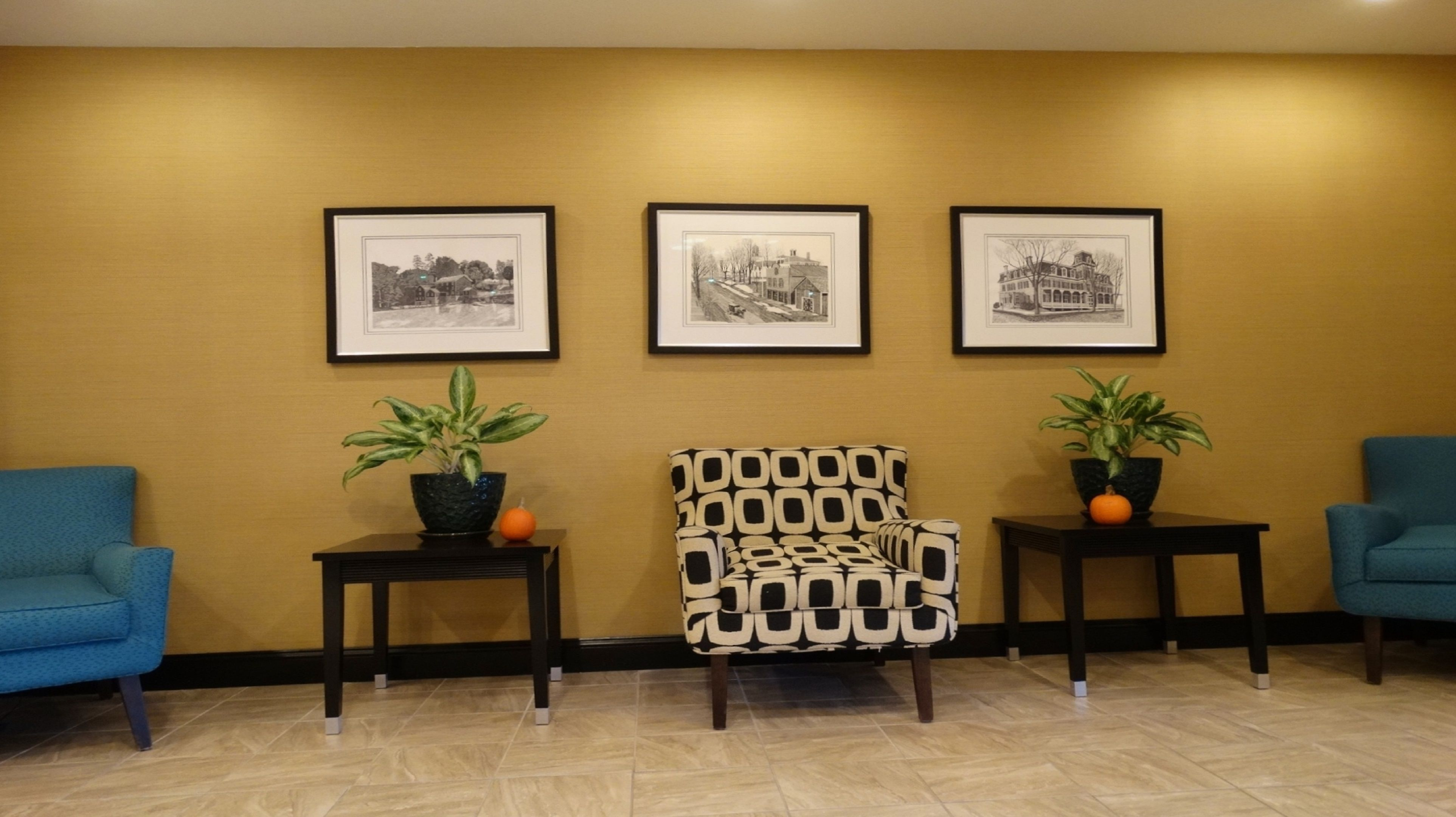 Holiday Inn Express & Suites Montgomery image 3