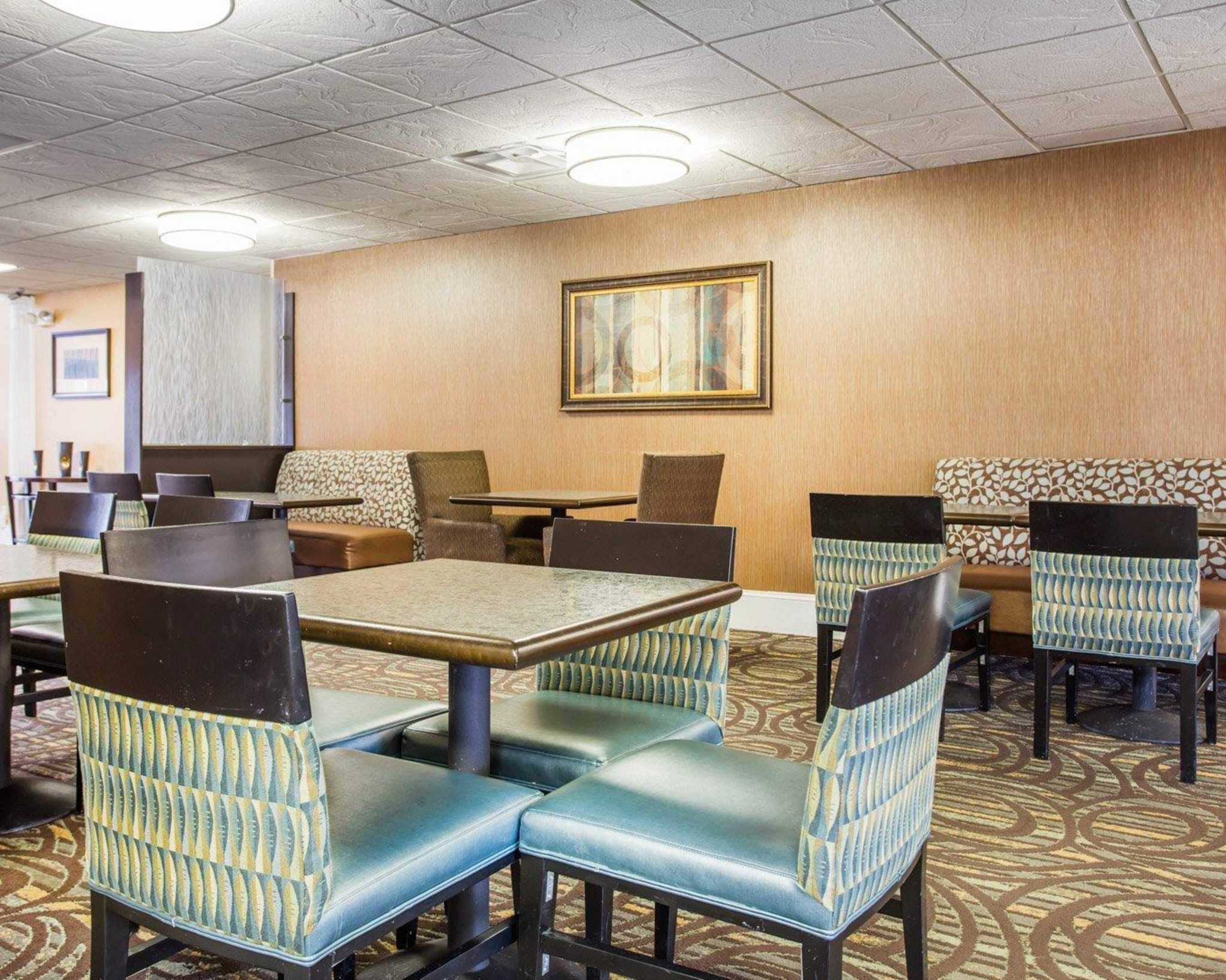Comfort Inn & Suites at Stone Mountain image 22