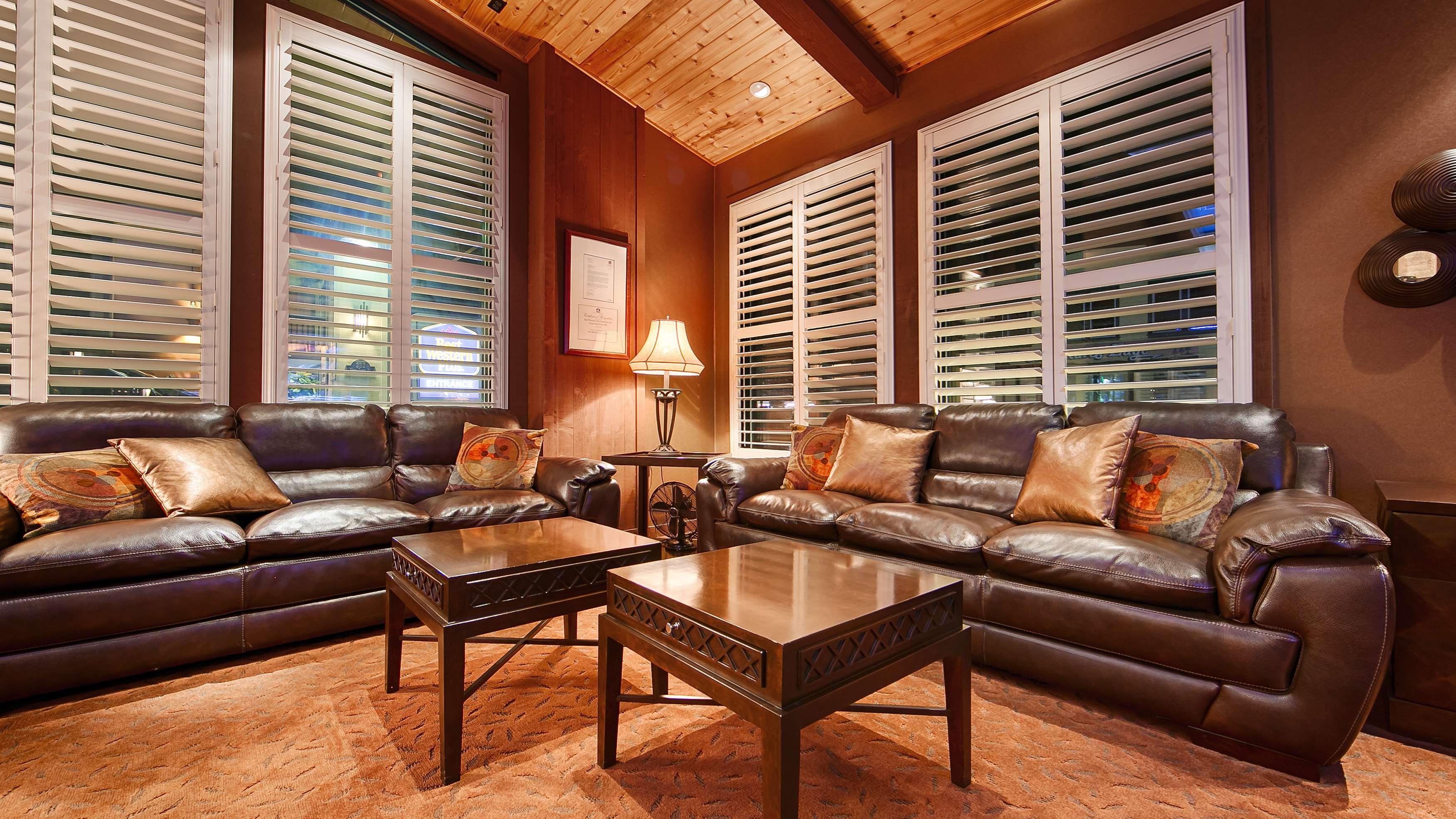 Best Western Plus Humboldt Bay Inn image 10