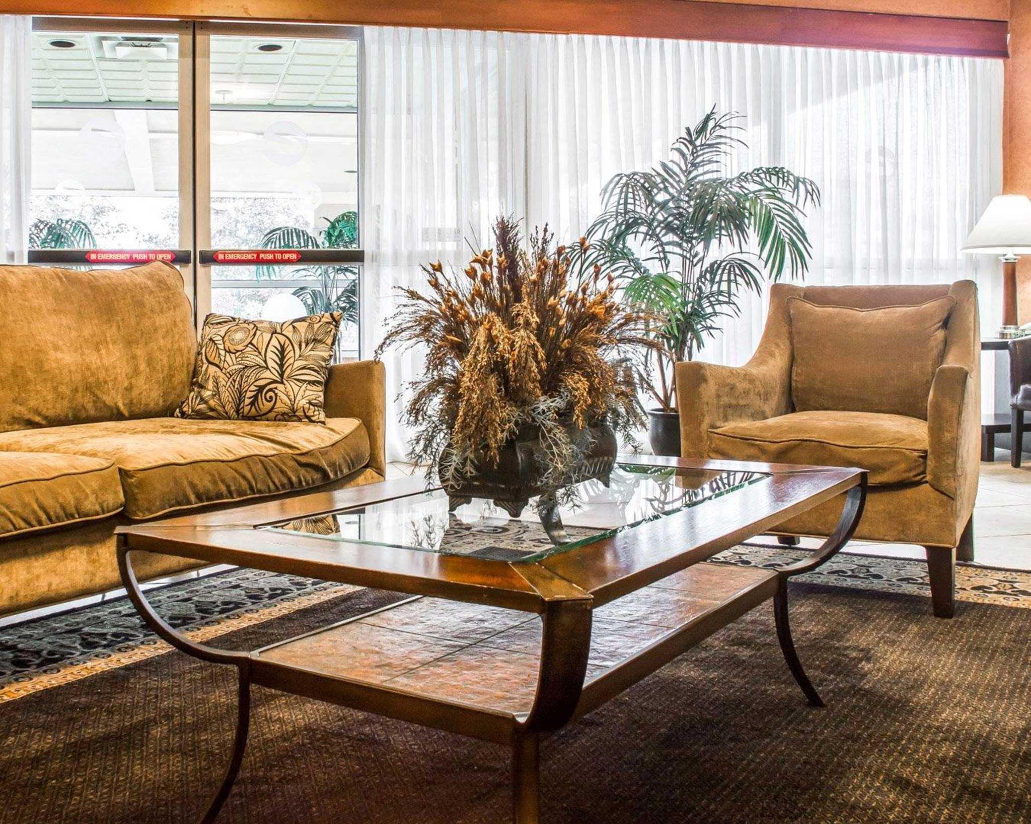 Quality Inn & Suites Fairgrounds image 10