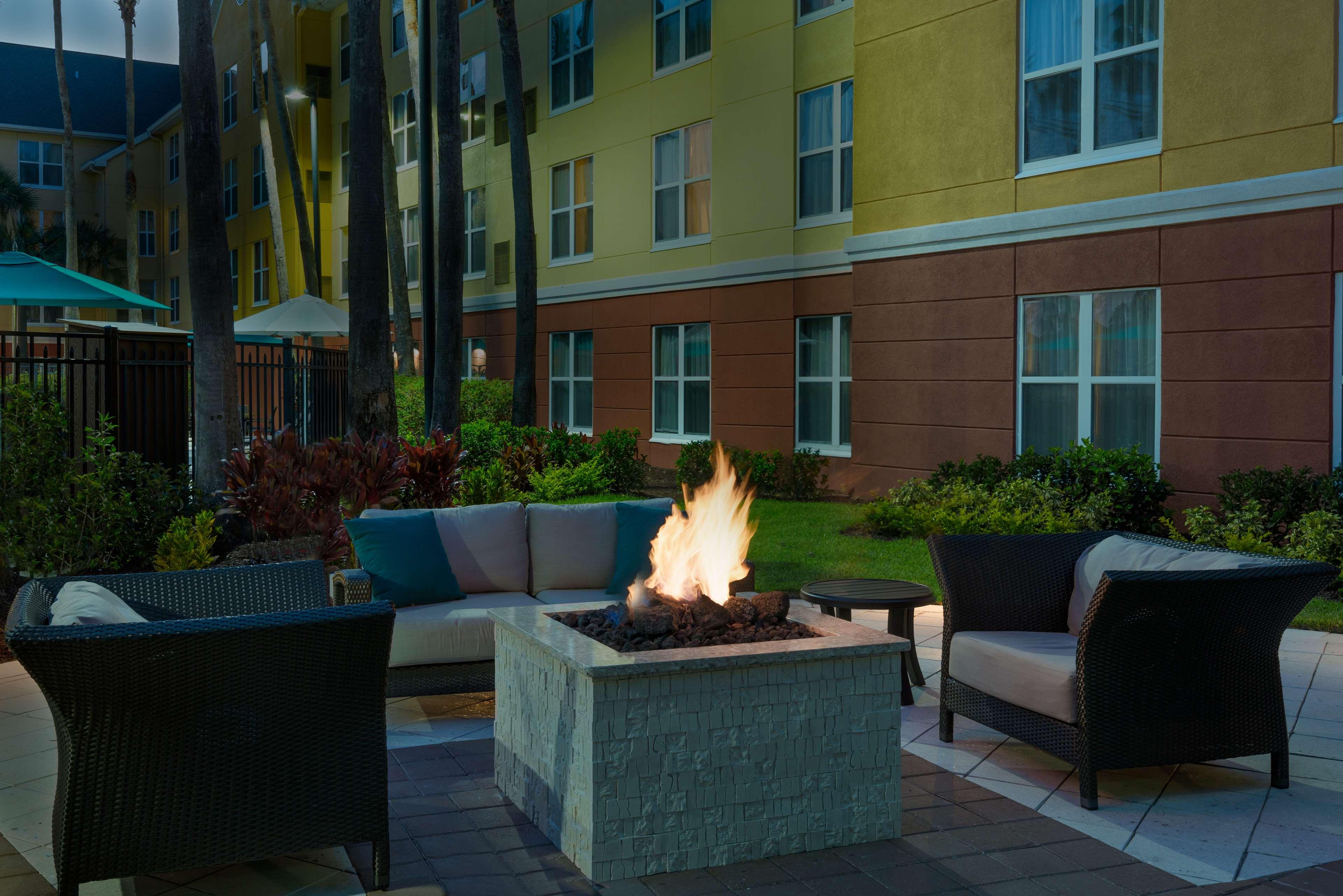Homewood Suites by Hilton Orlando-UCF Area image 2