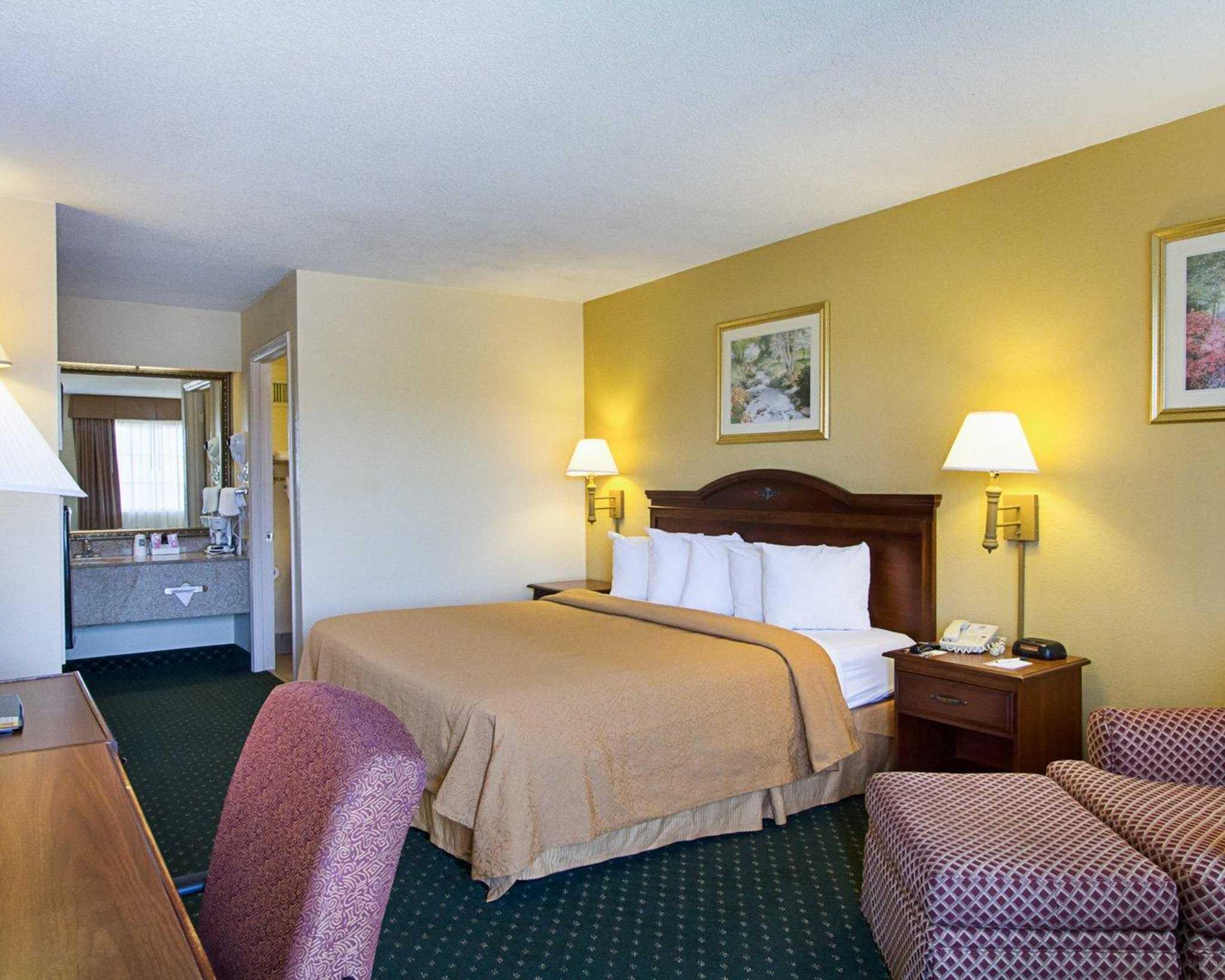 Quality Inn & Suites Southwest image 3