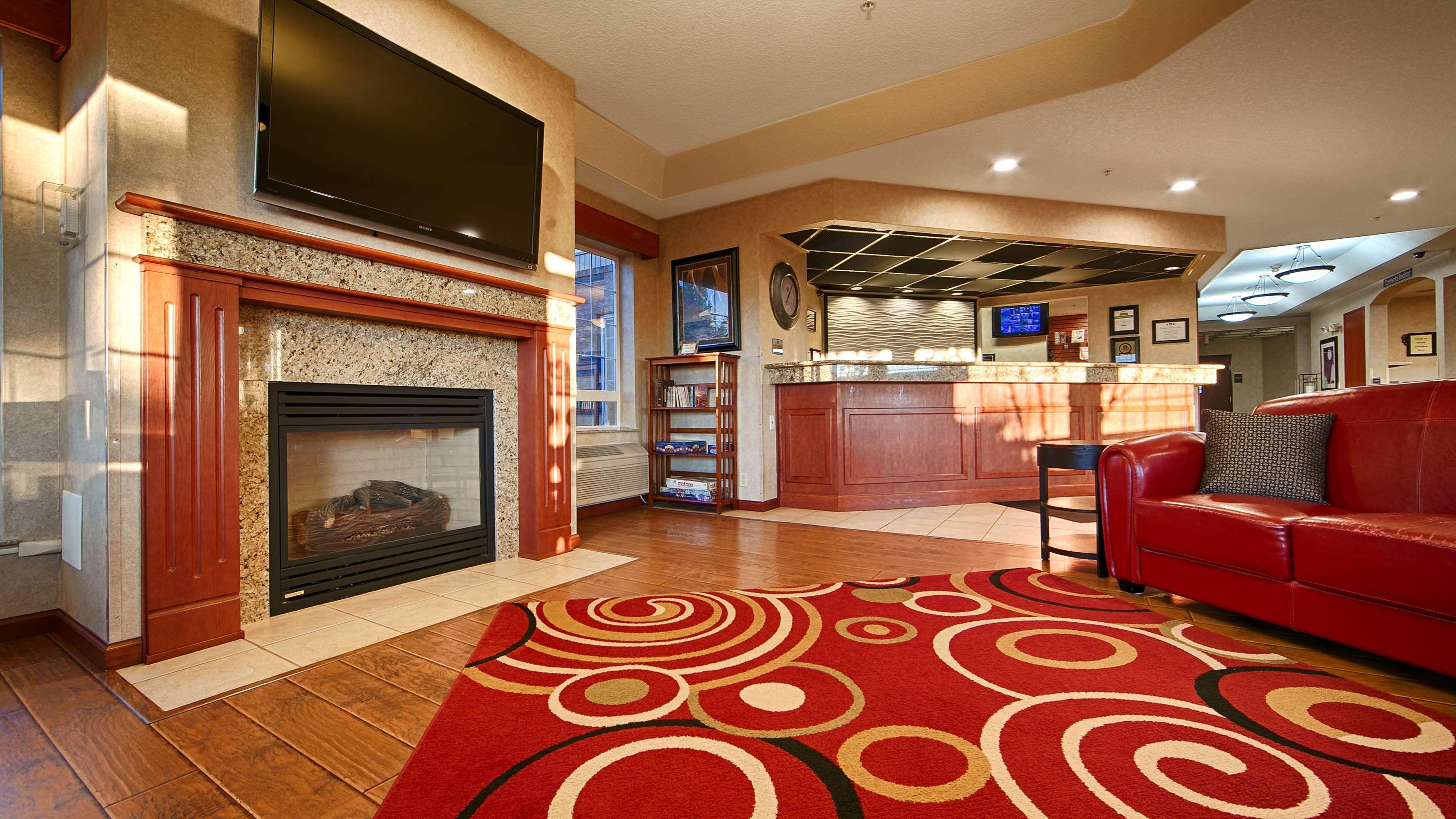 Best Western Plus Park Place Inn & Suites image 0