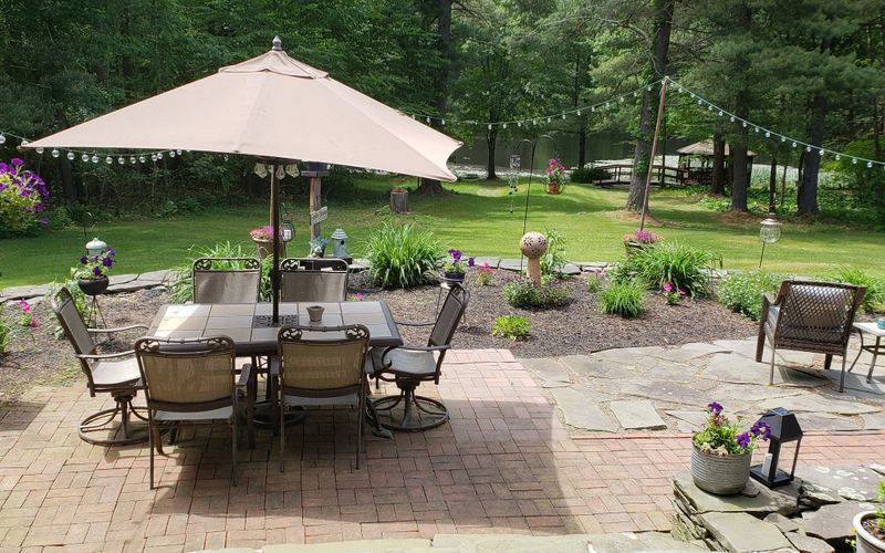 Paper Mill Pines Bed and Breakfast image 0
