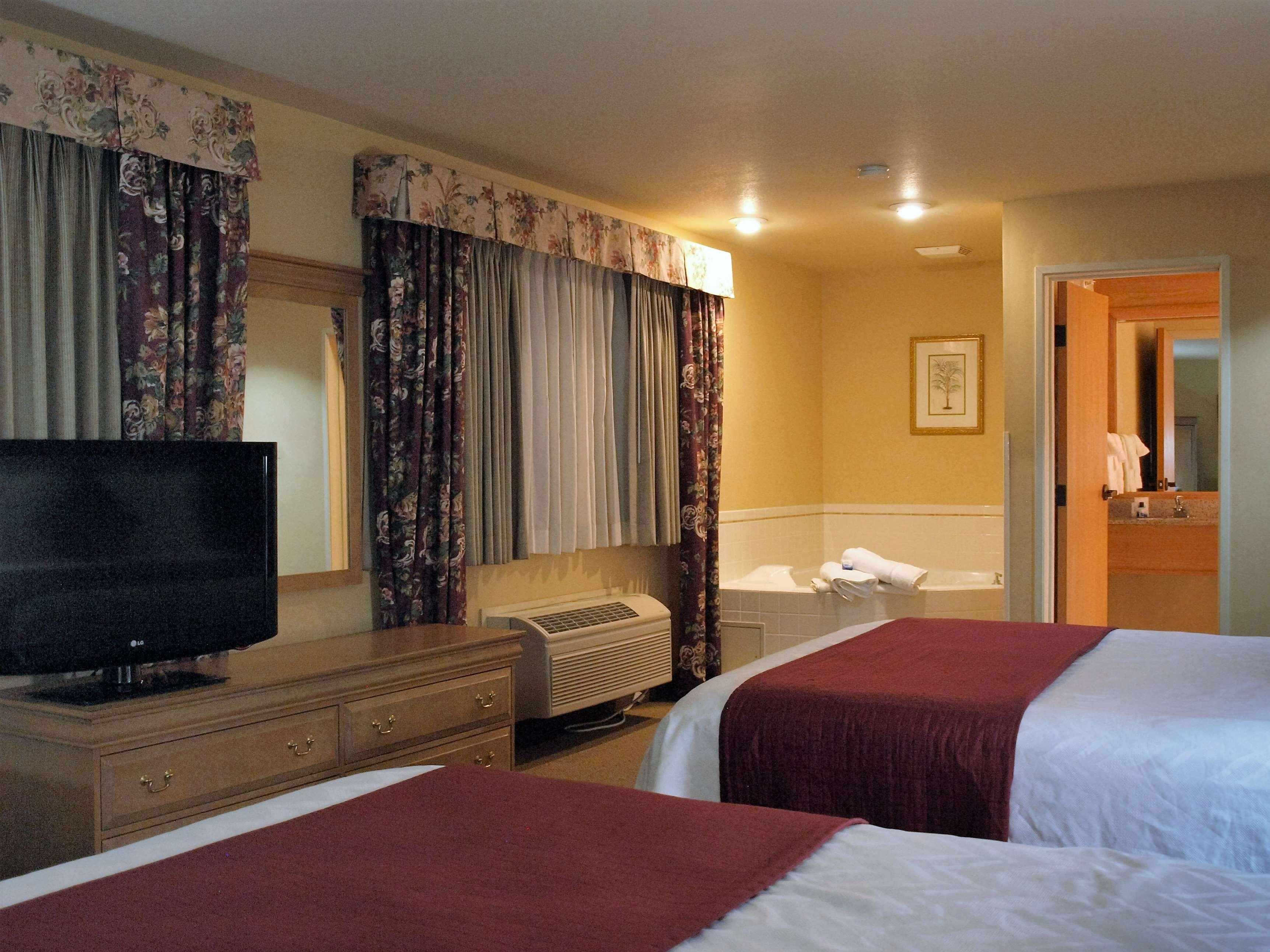 Best Western Plus Caldwell Inn & Suites image 43