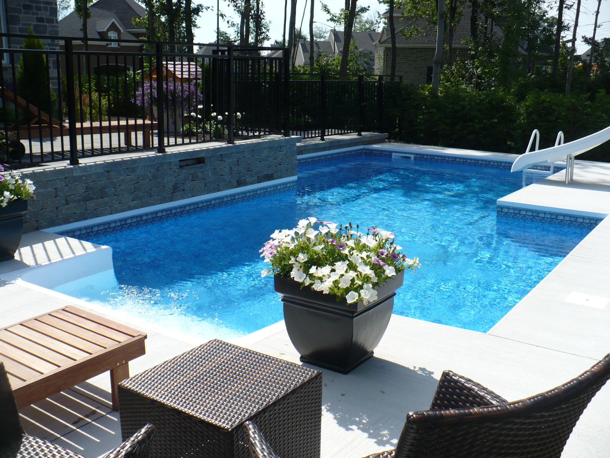 Concept piscine design enr qu bec qc ourbis for Cash piscine lempdes 63