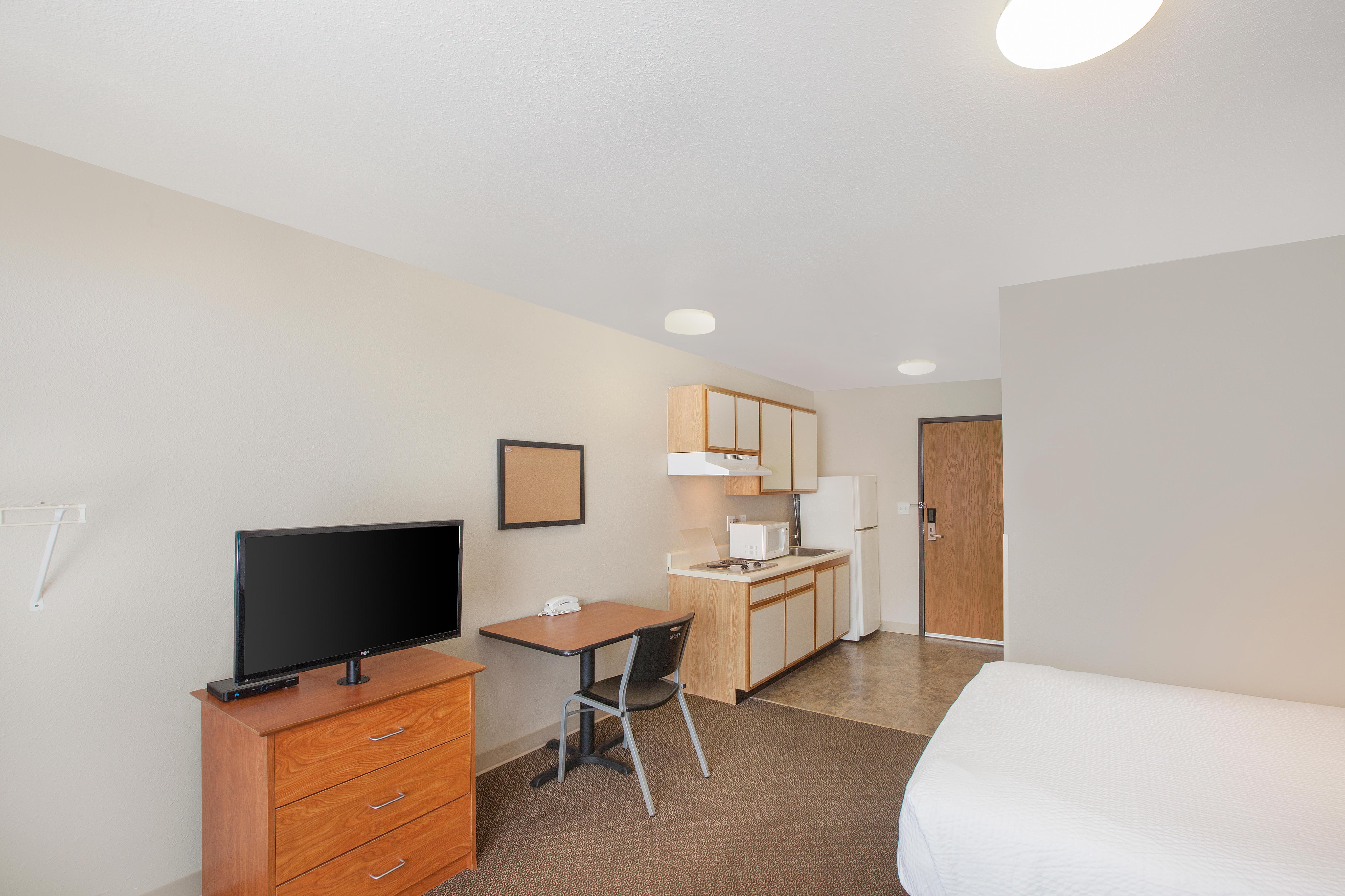 WoodSpring Suites Jacksonville Southeast image 0