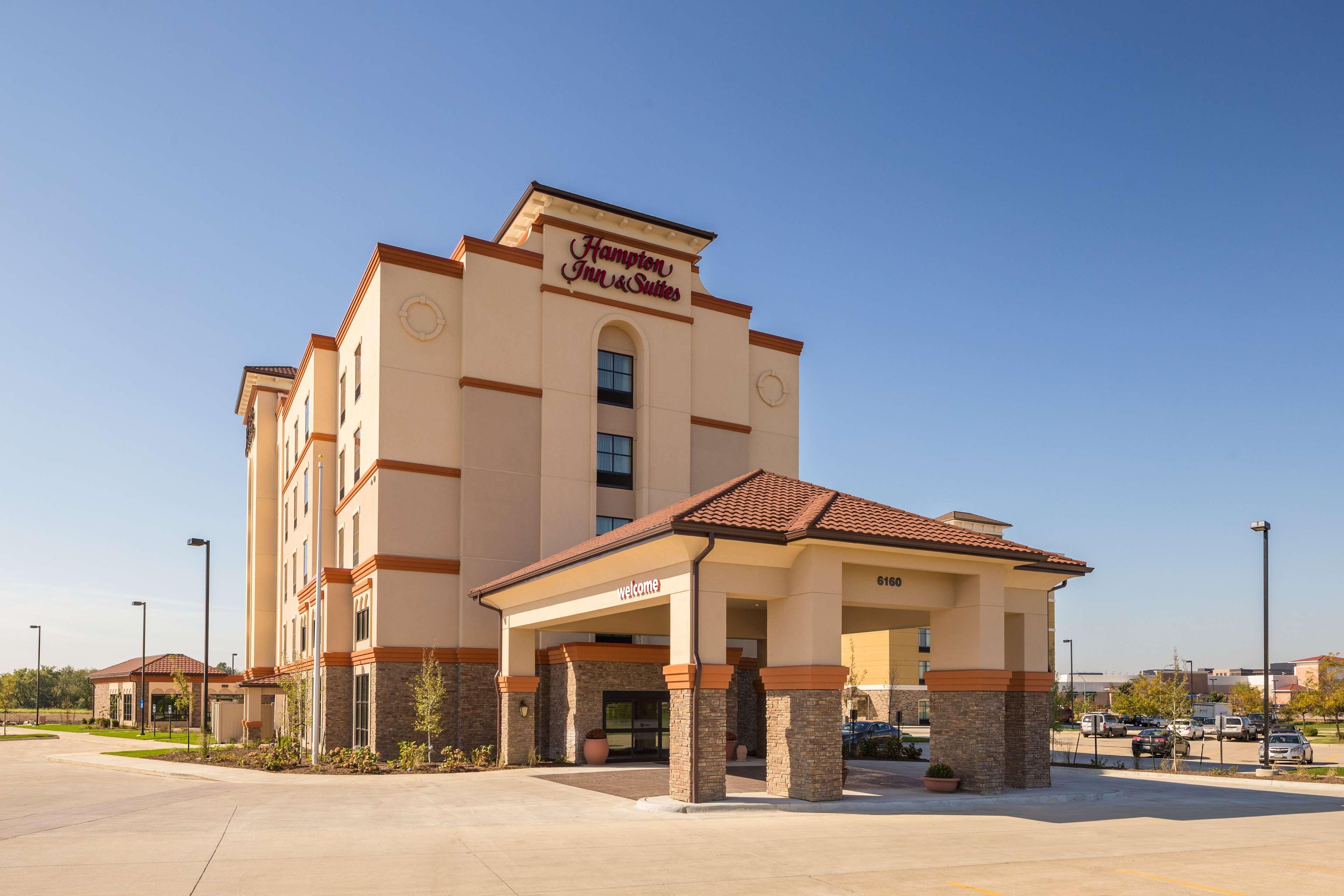 Hampton Inn & Suites West Des Moines/SW Mall Area image 1