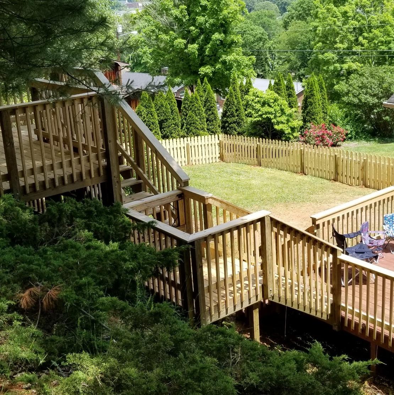 Full Throttle Fence & Deck LLC image 11