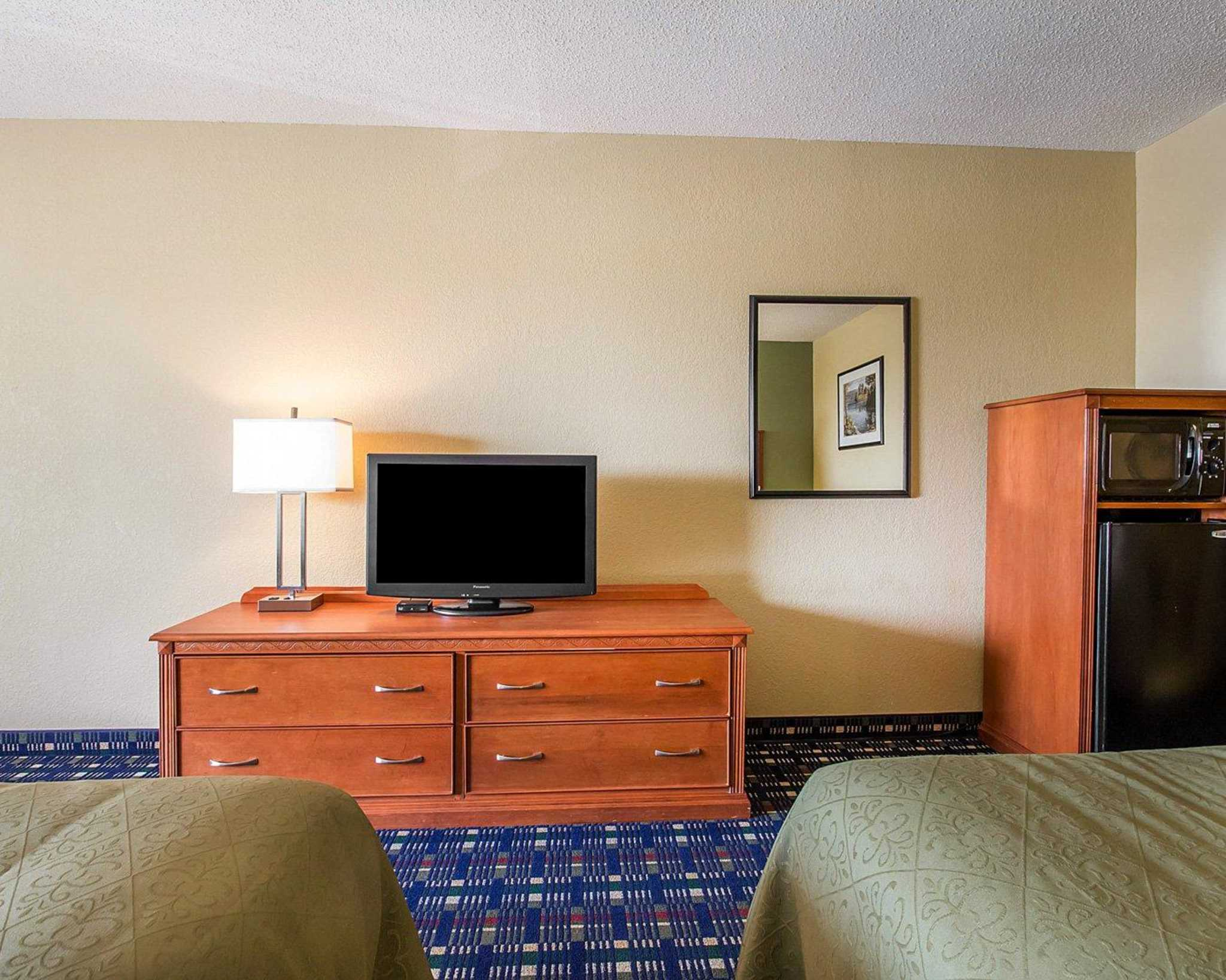 Quality Inn image 4
