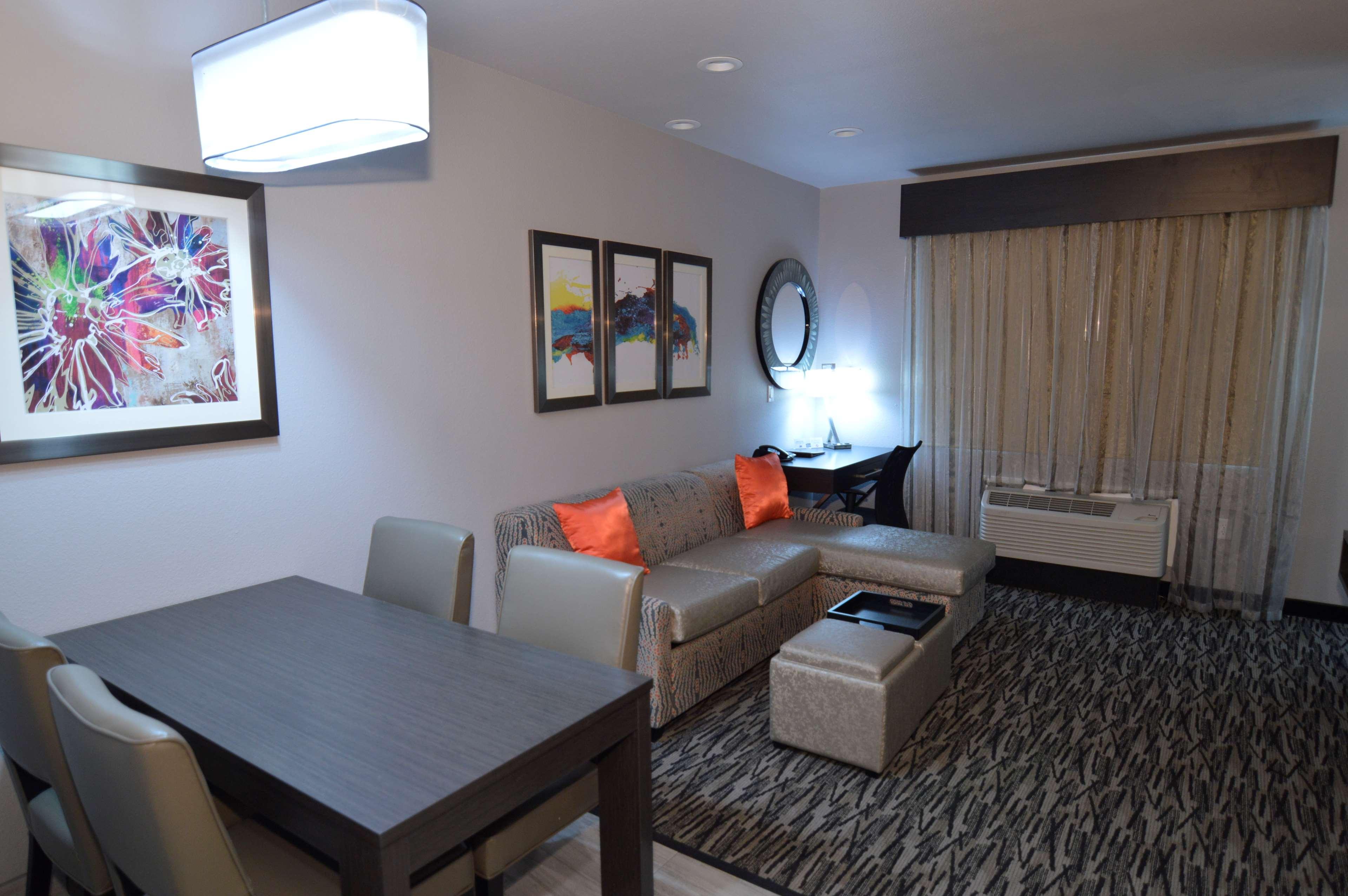 Executive Residency by Best Western Baytown image 33