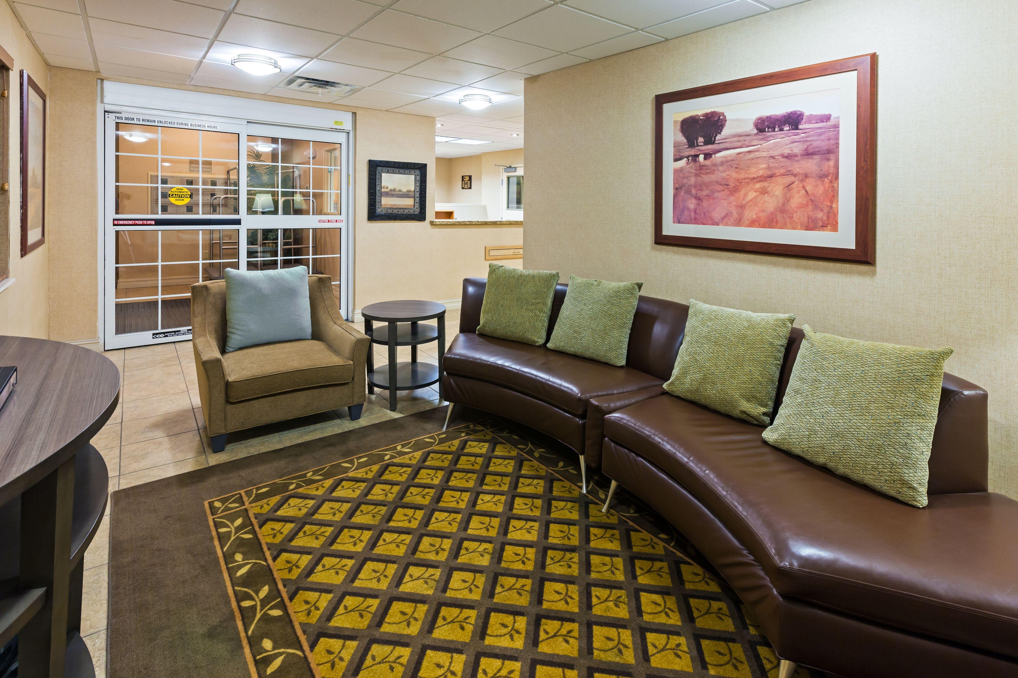 Candlewood Suites Owasso image 4
