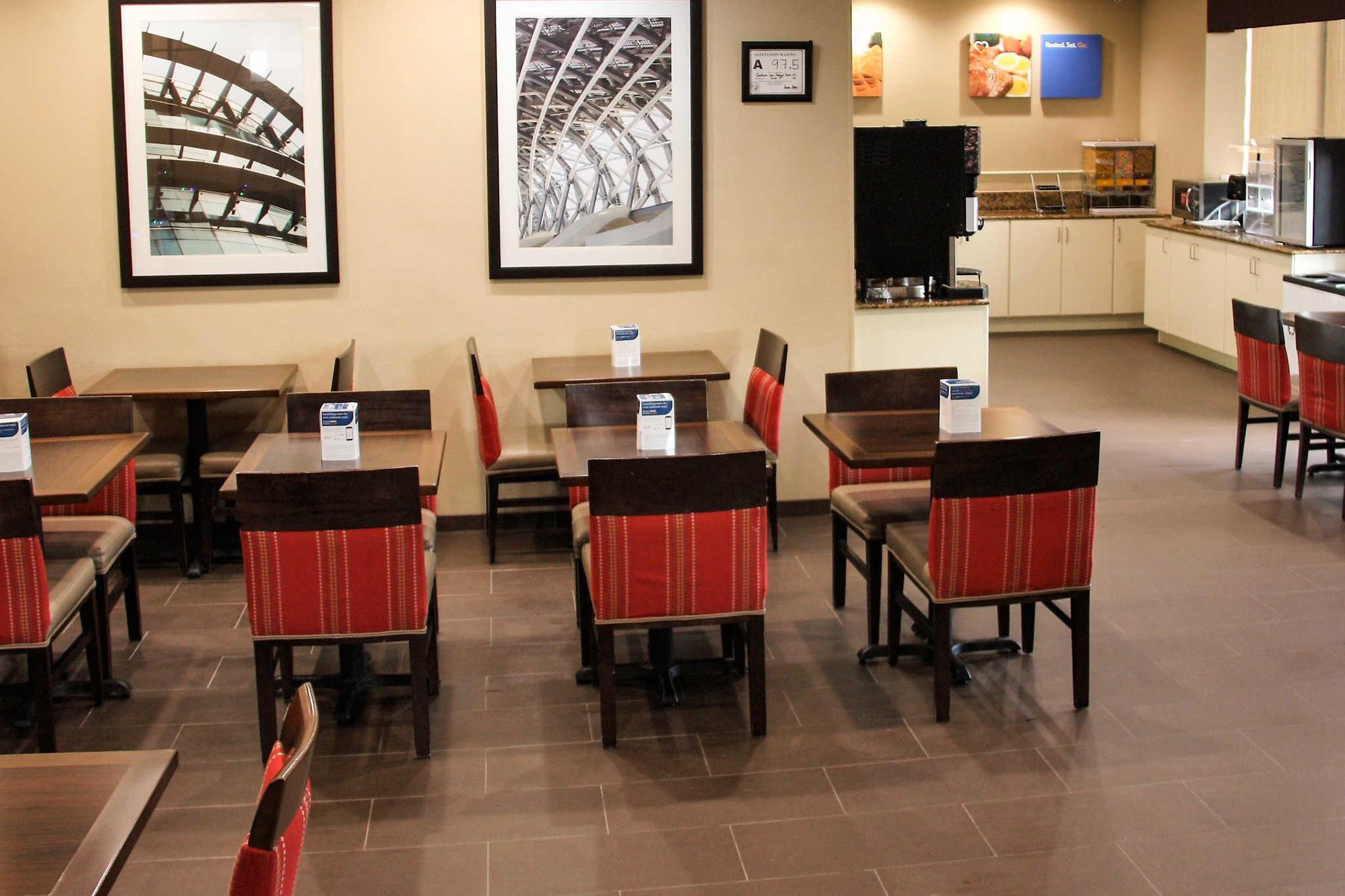 Comfort Inn & Suites Duke University-Downtown image 26