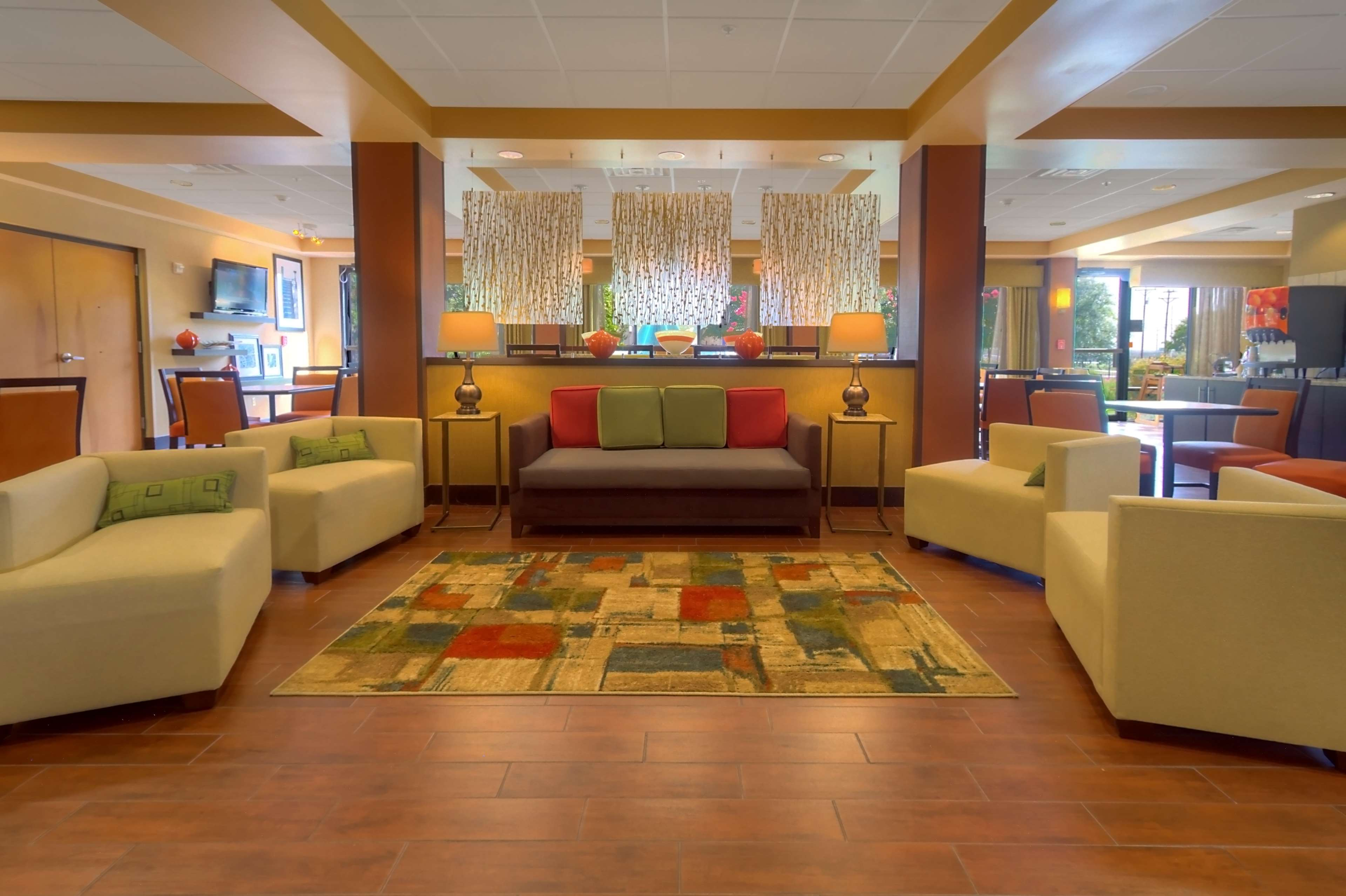 Hampton Inn San Antonio-Northwoods image 2