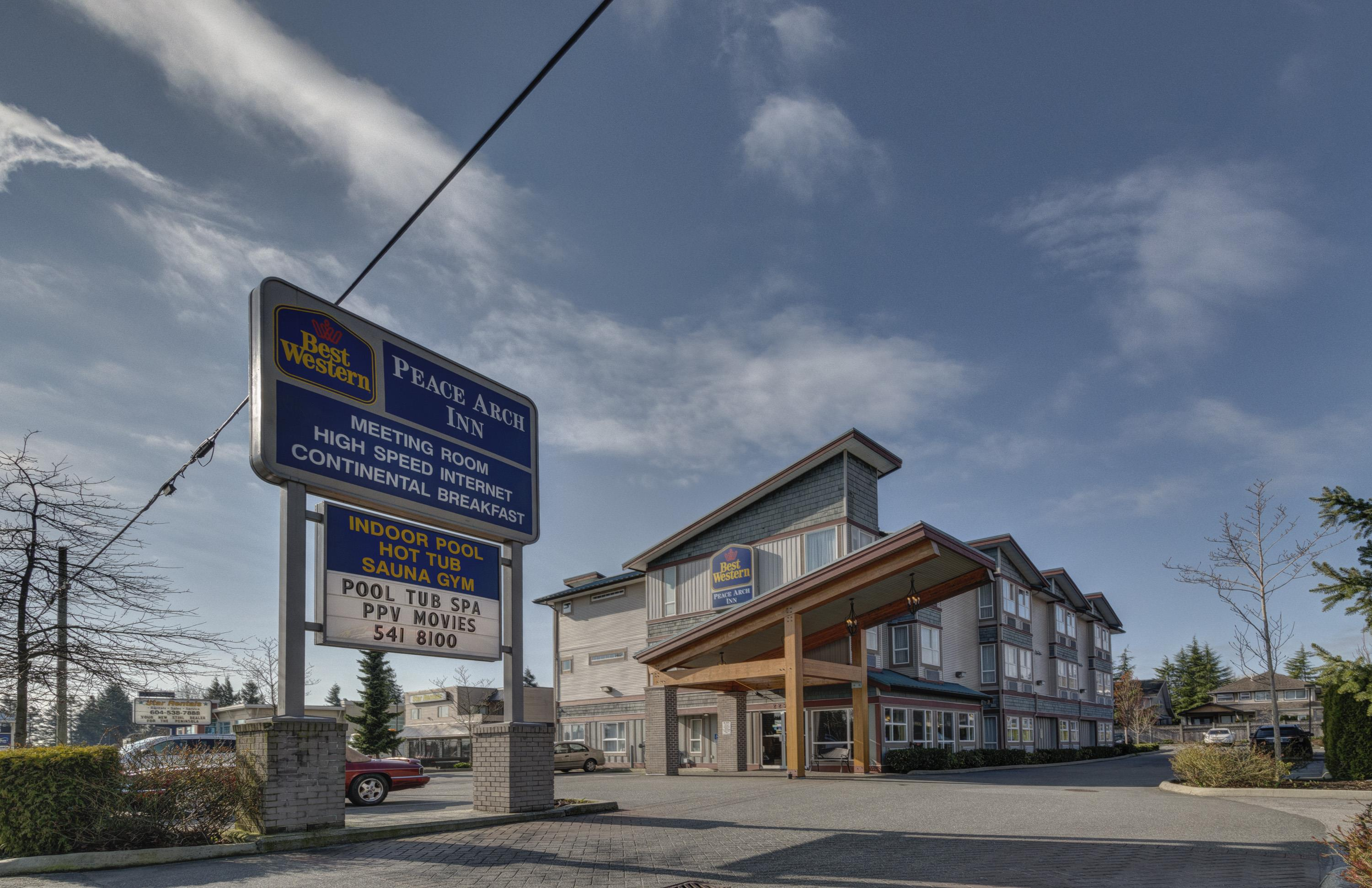 Best Western Peace Arch Inn in Surrey: Exterior