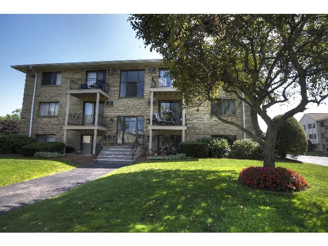 Princeton Park Apartments image 9