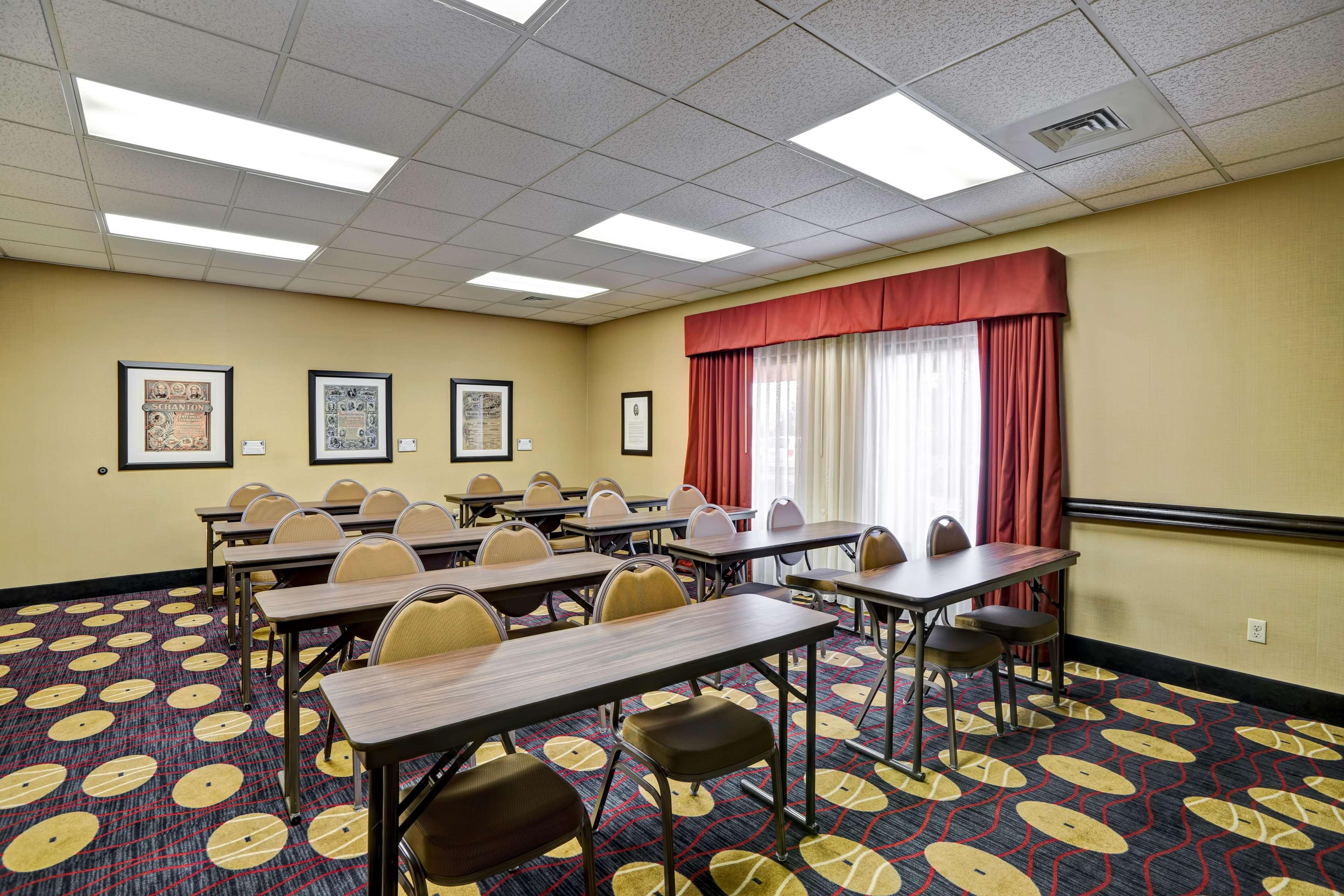 Hampton Inn Scranton At Montage Mountain image 56