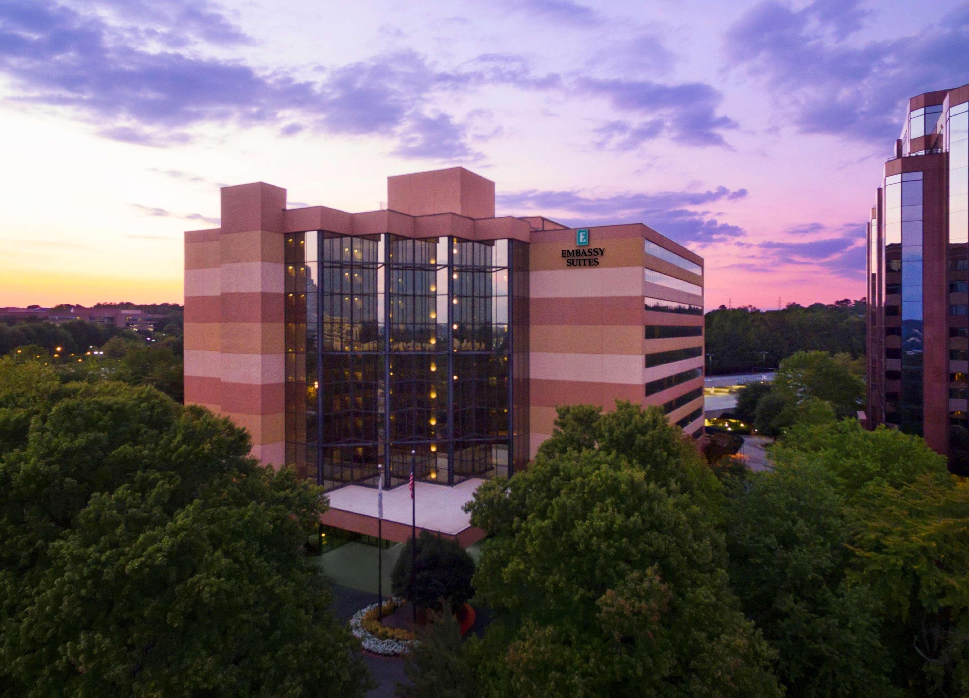 Embassy Suites by Hilton Atlanta Perimeter Center image 14