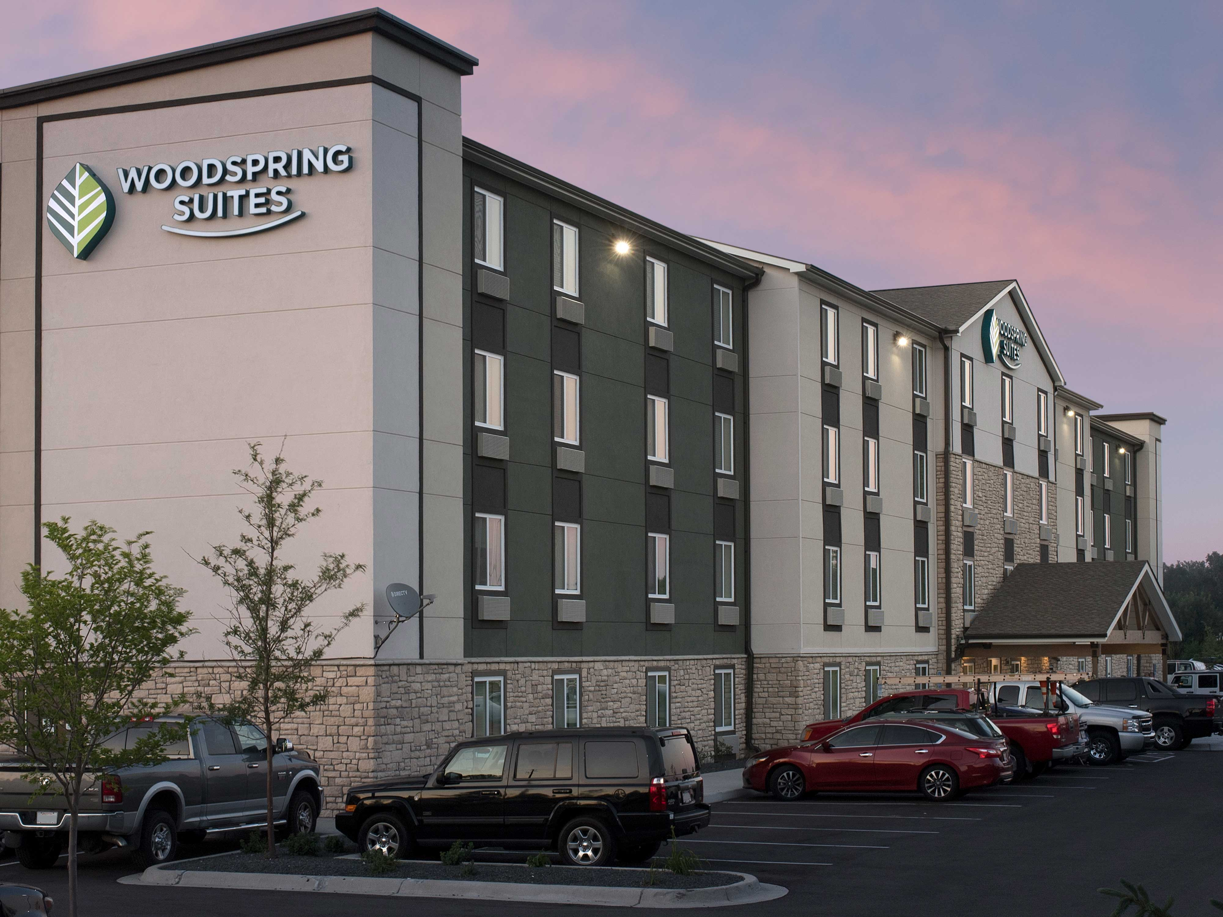 WoodSpring Suites Minneapolis Fridley image 16