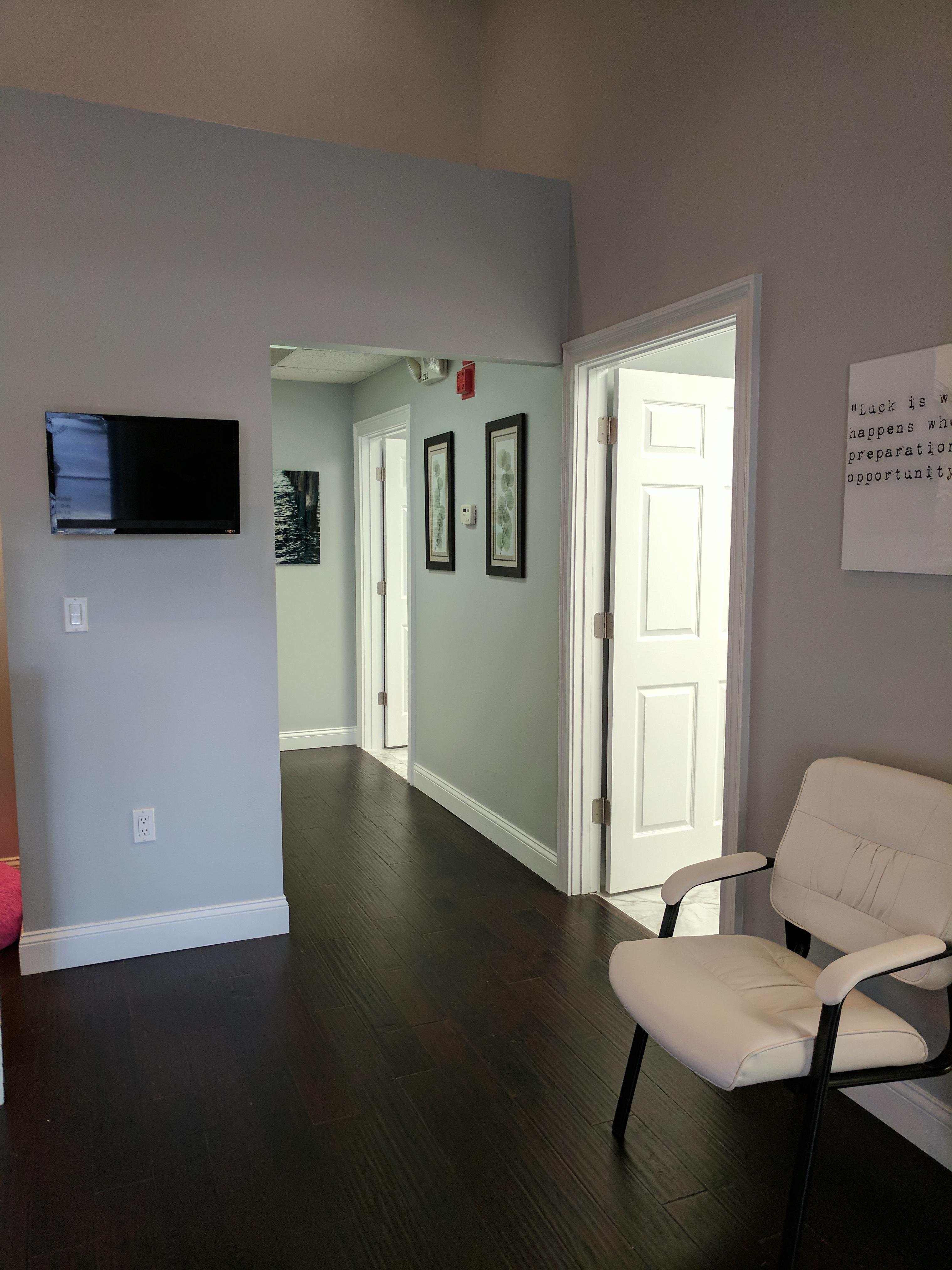 United Joint & Spine Center image 5