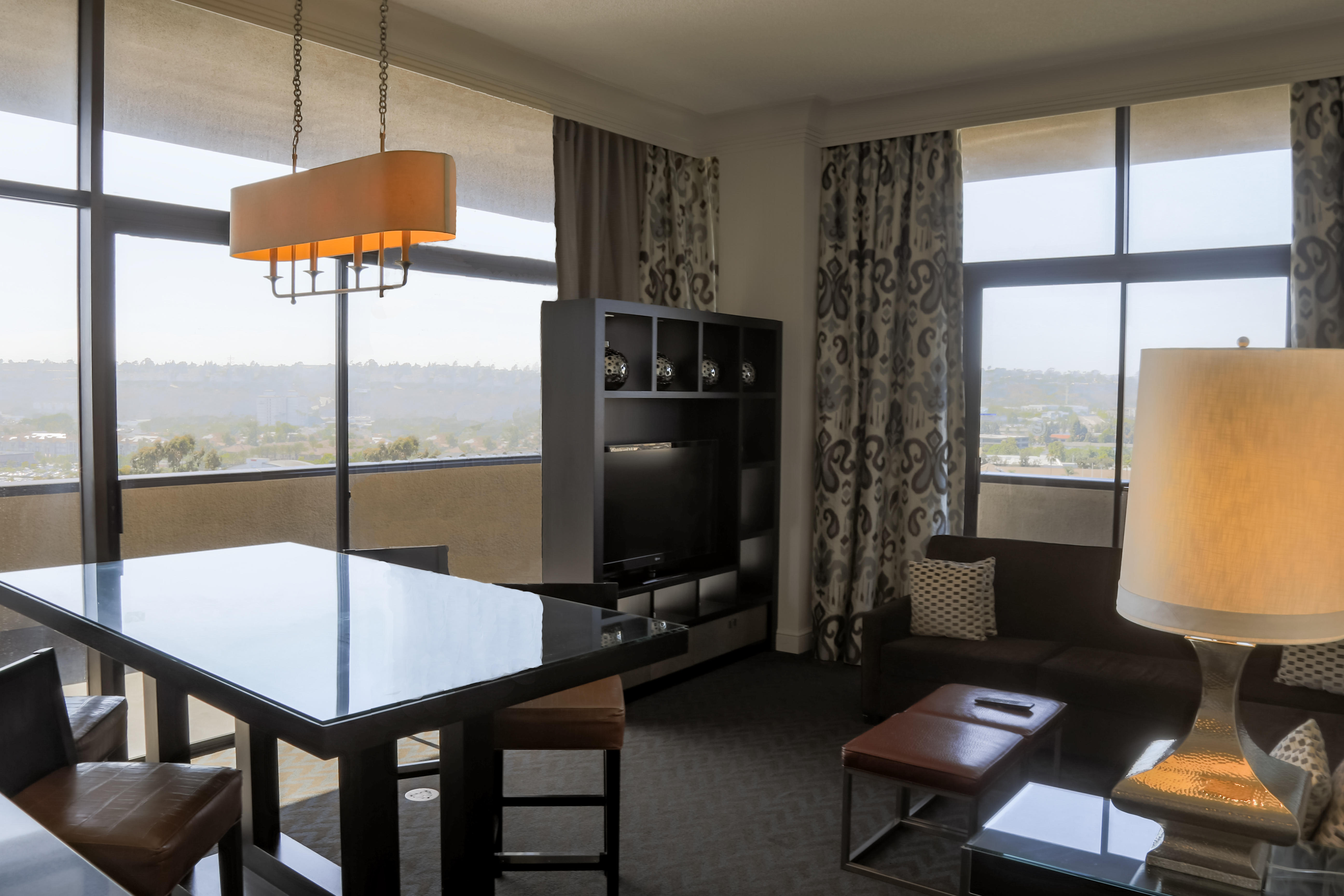 sheraton mission valley san diego hotel at 1433 camino del. Black Bedroom Furniture Sets. Home Design Ideas