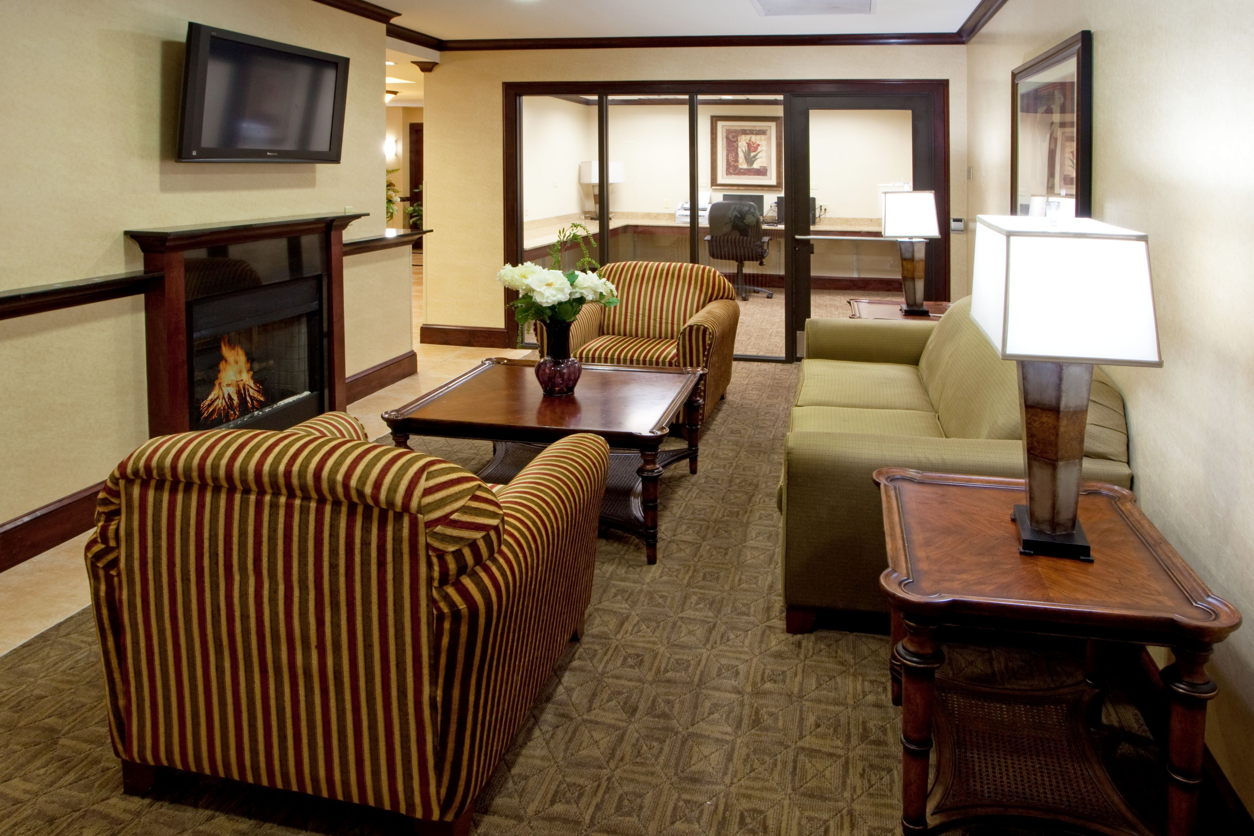 Holiday Inn Express & Suites Tappahannock image 5