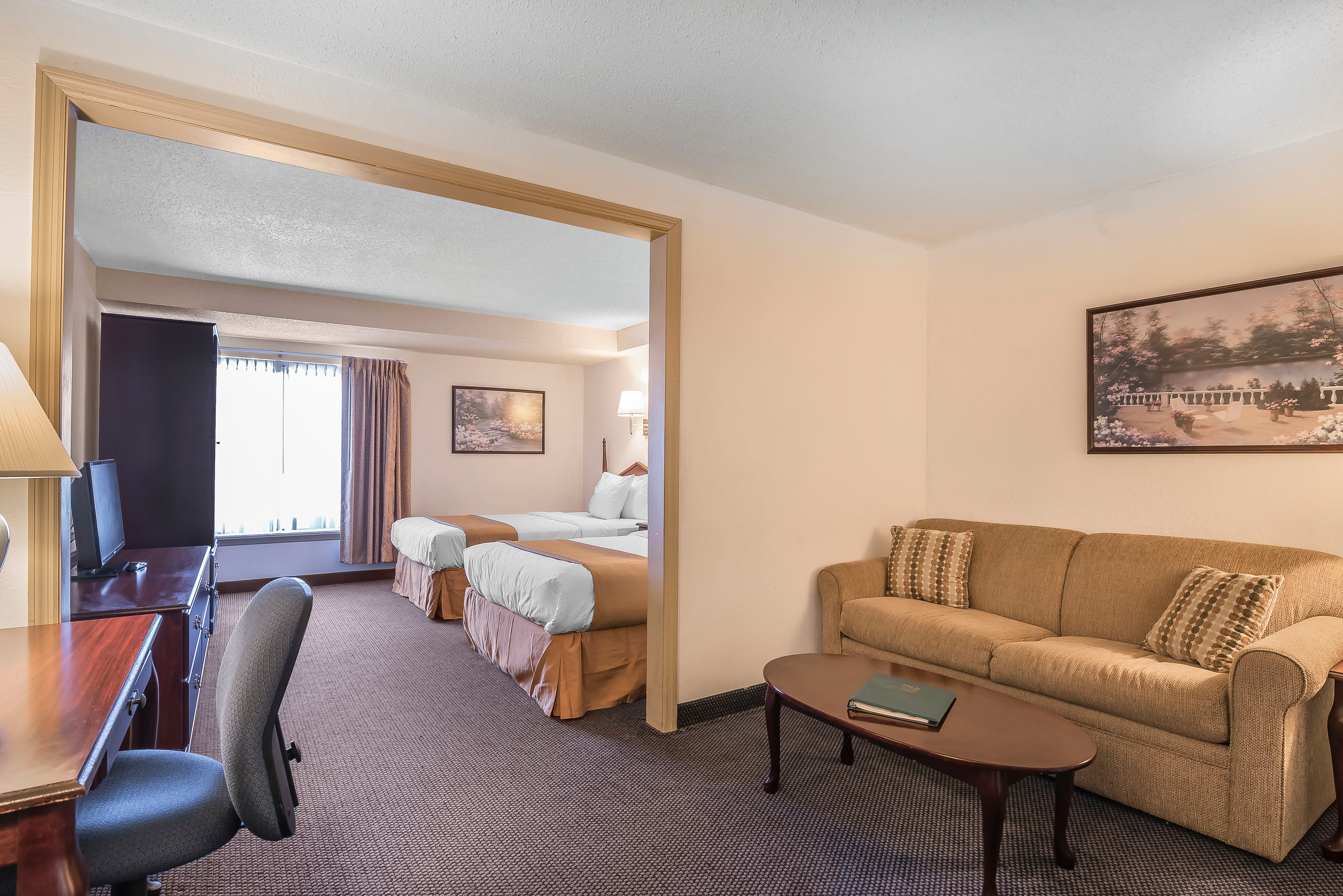 Quality inn suites albany airport in latham ny whitepages for 6016 area code
