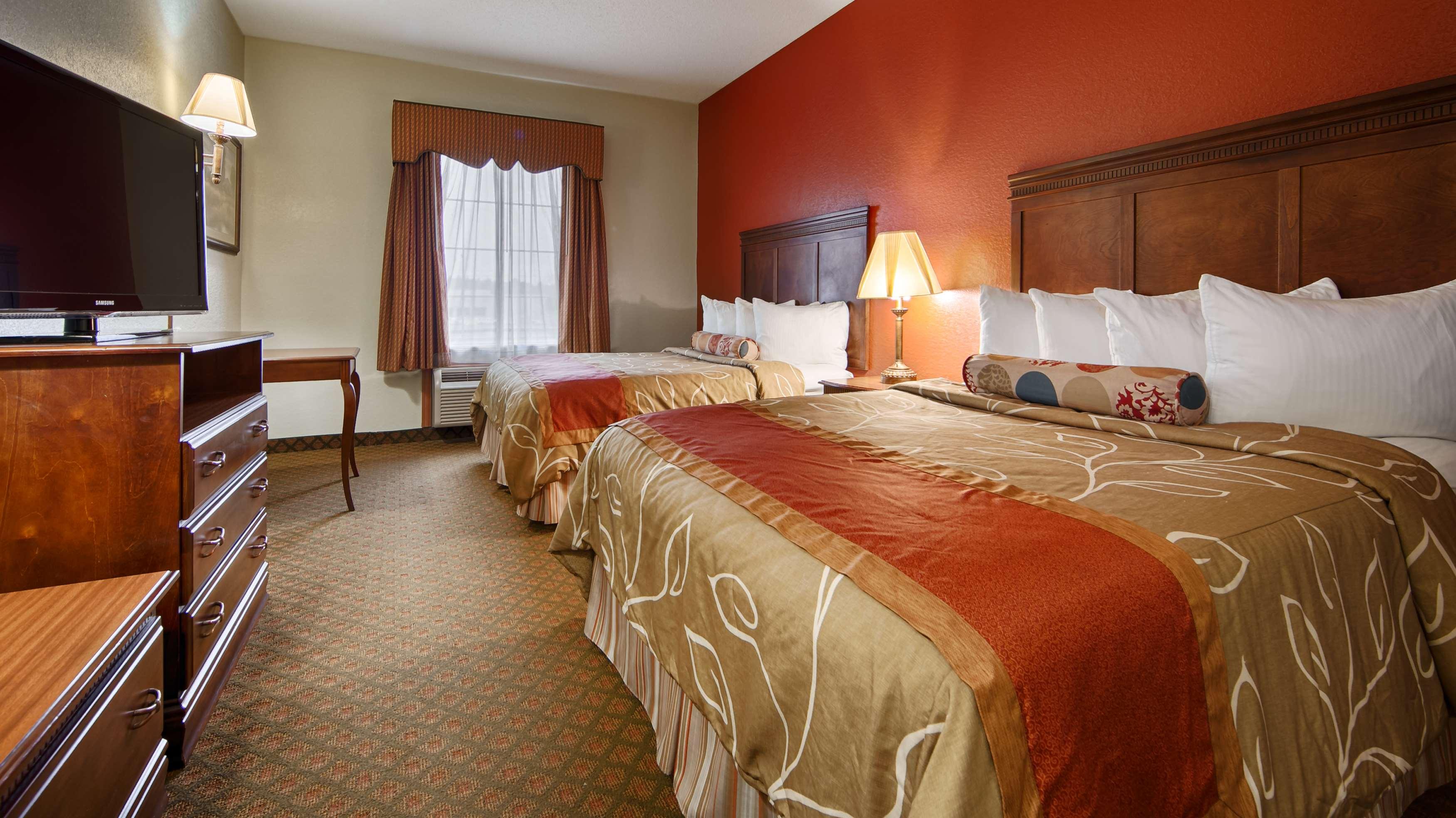 Best Western Plus Bradbury Inn & Suites image 5
