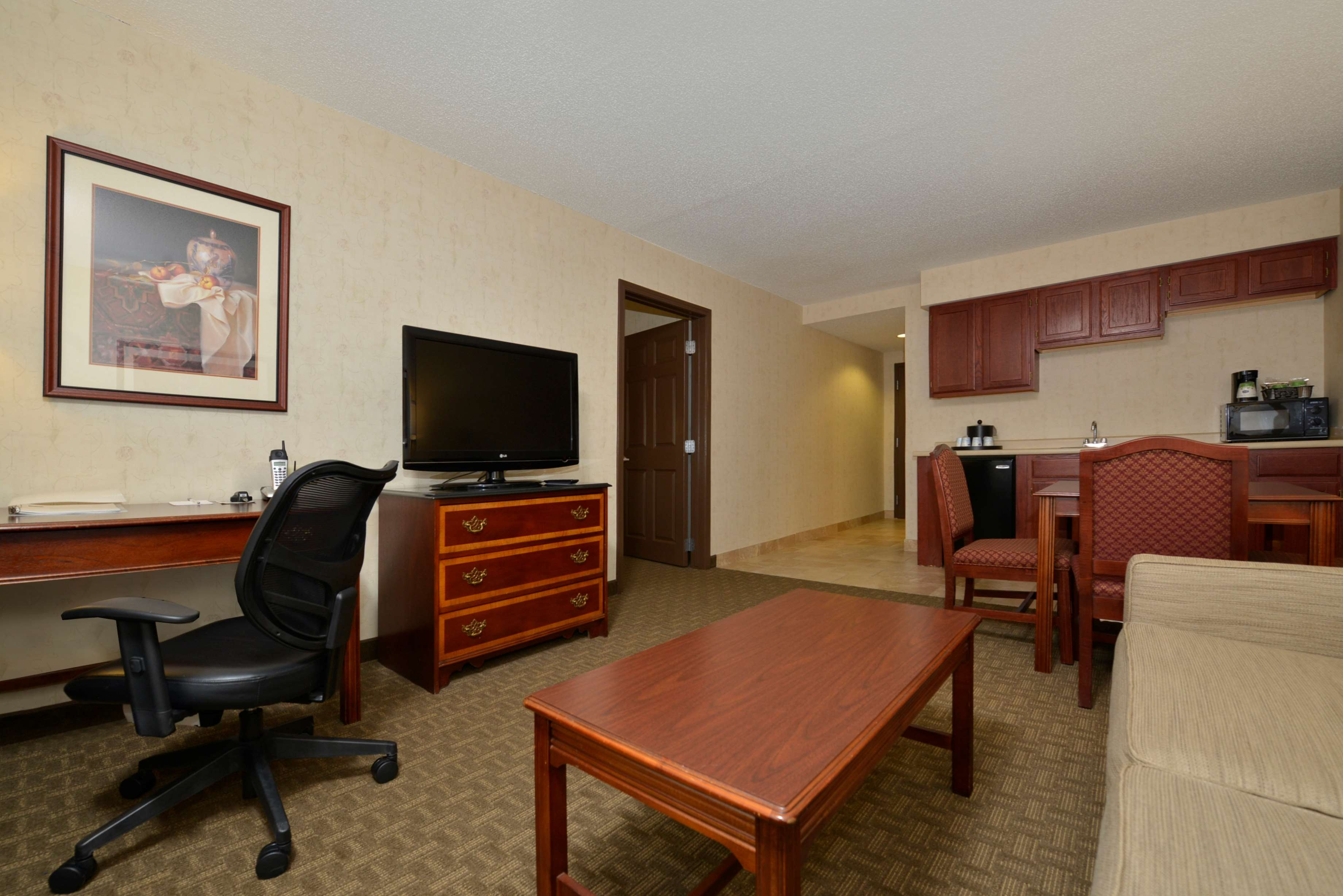 Hampton Inn East Aurora image 26