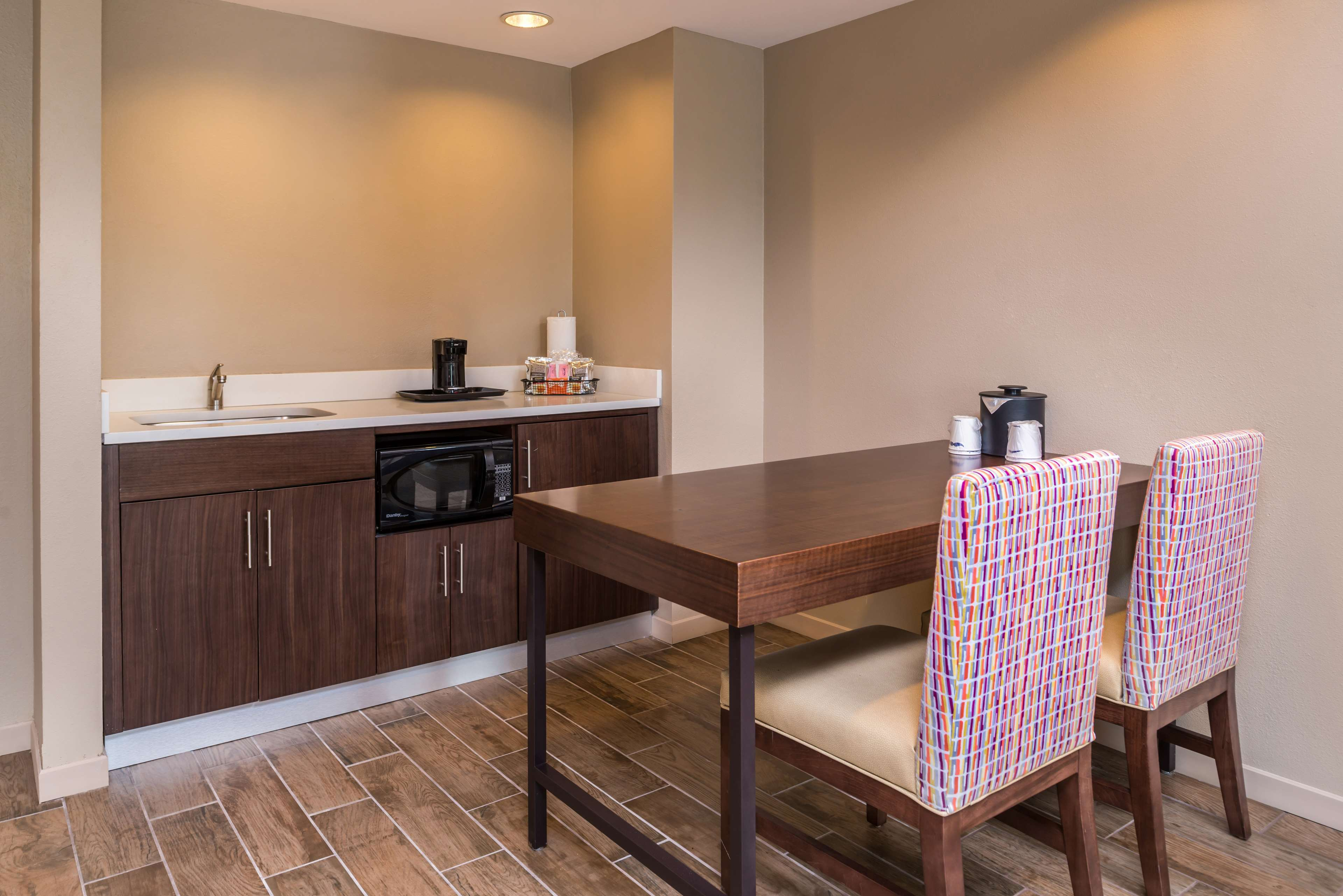 Hampton Inn & Suites Charlotte-Arrowood Rd. image 30