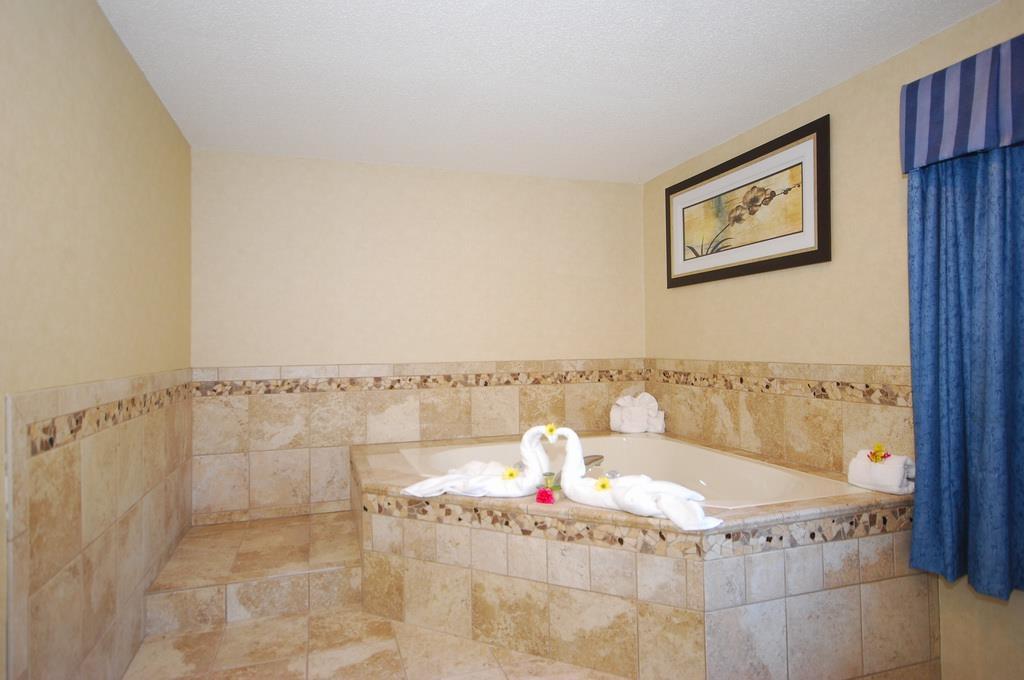 Best Western Plus Berkshire Hills Inn & Suites image 20