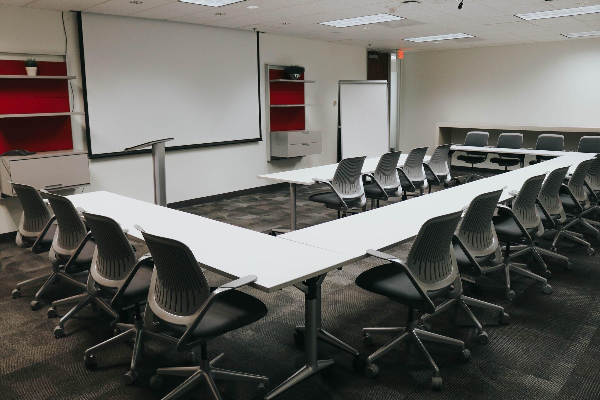 Executive Workspace image 3