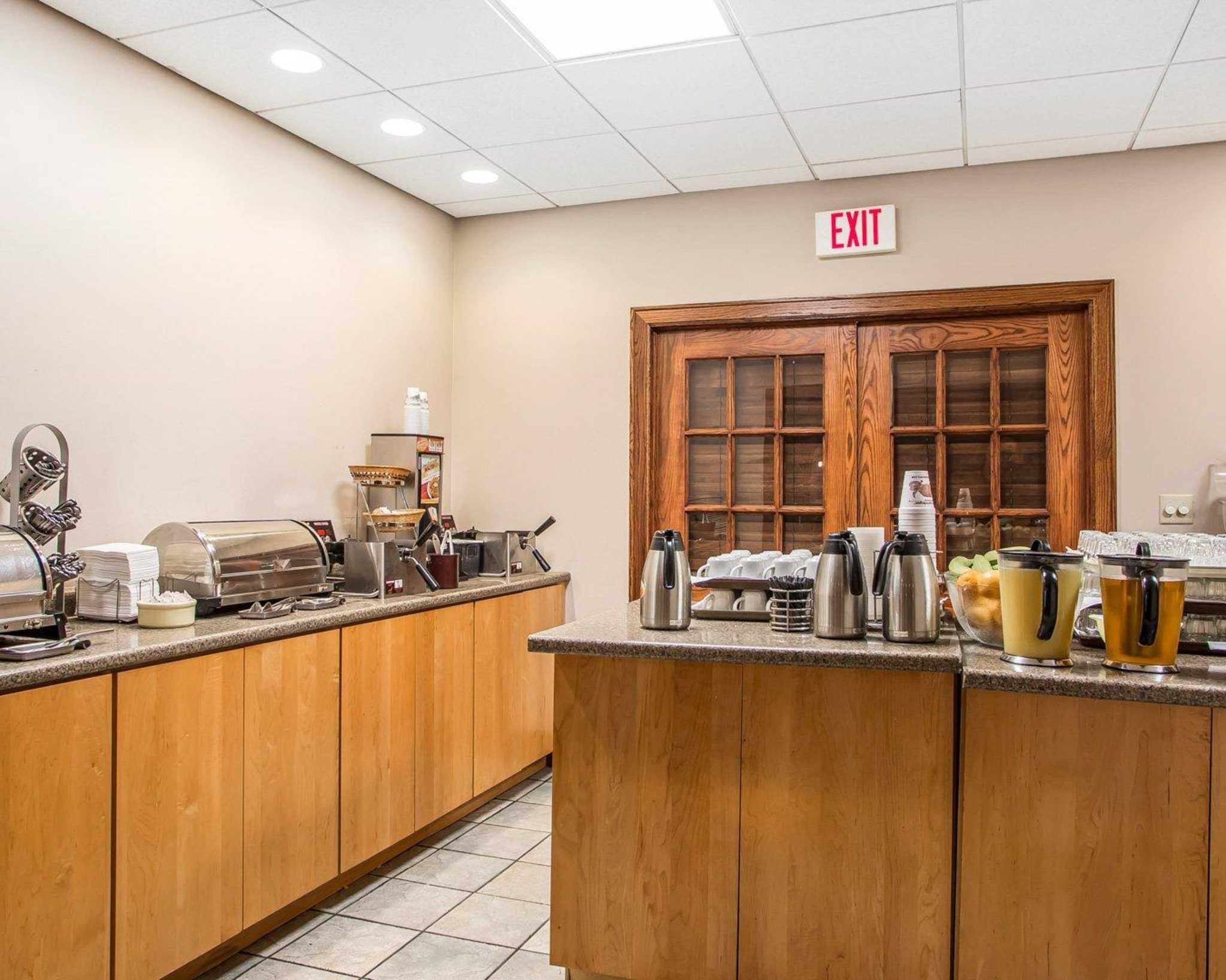 Clarion Hotel Highlander Conference Center image 19