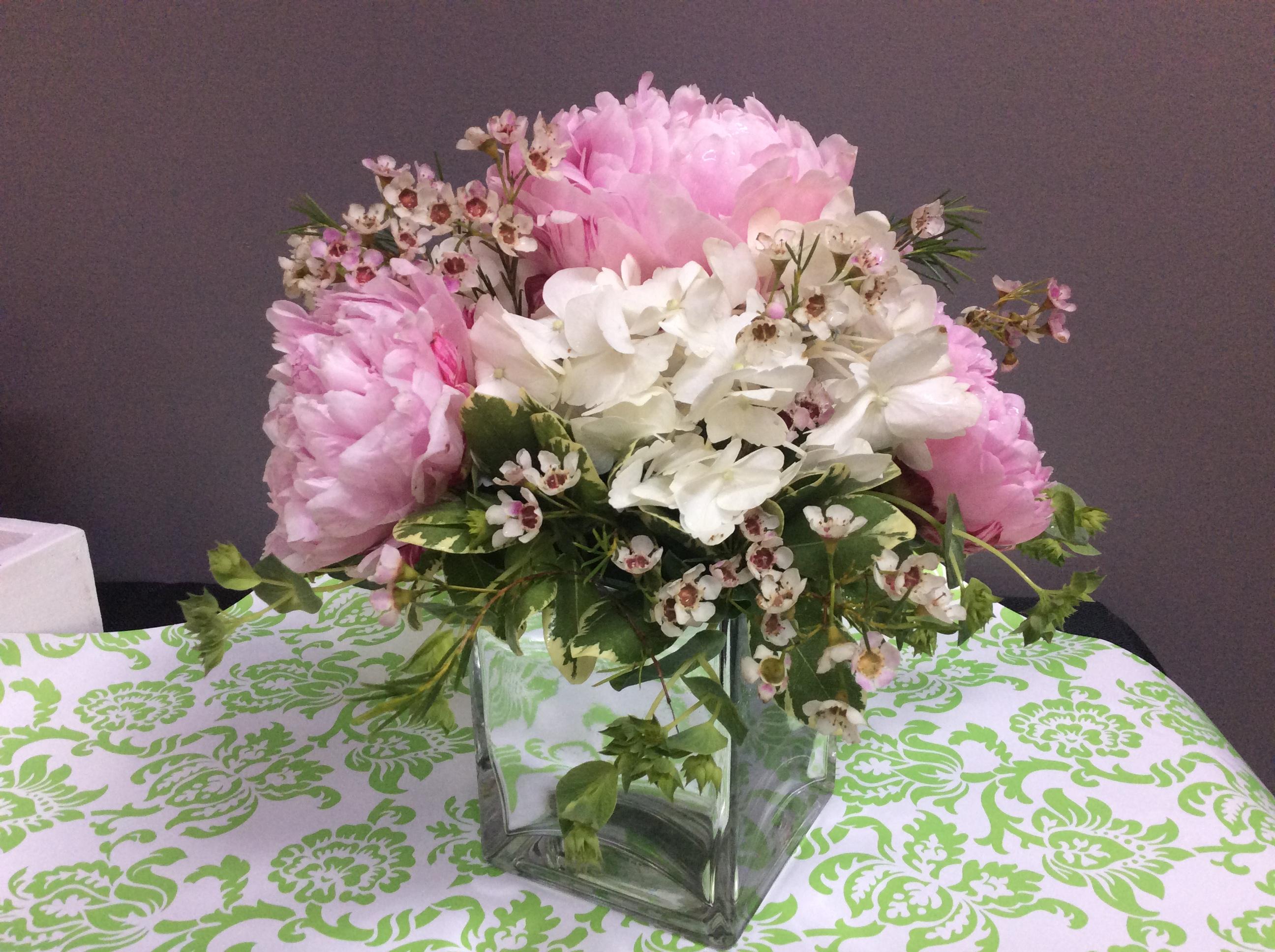 Pat's Florist And Gourmet Baskets Inc image 4