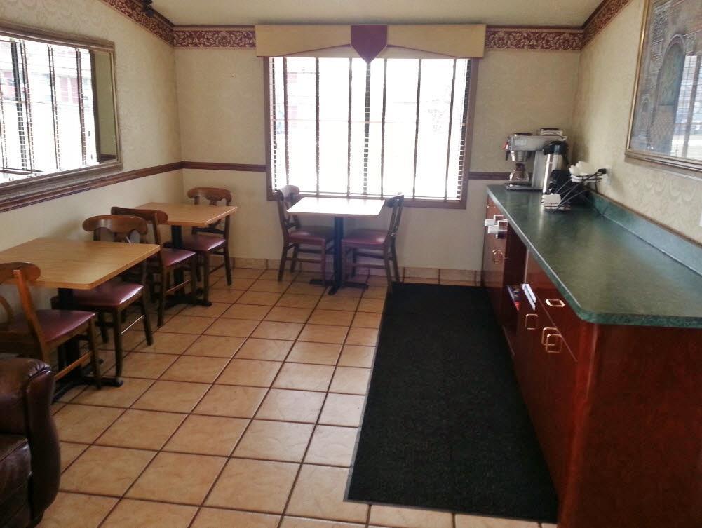 Americas Best Value Inn & Suites Monroe image 11