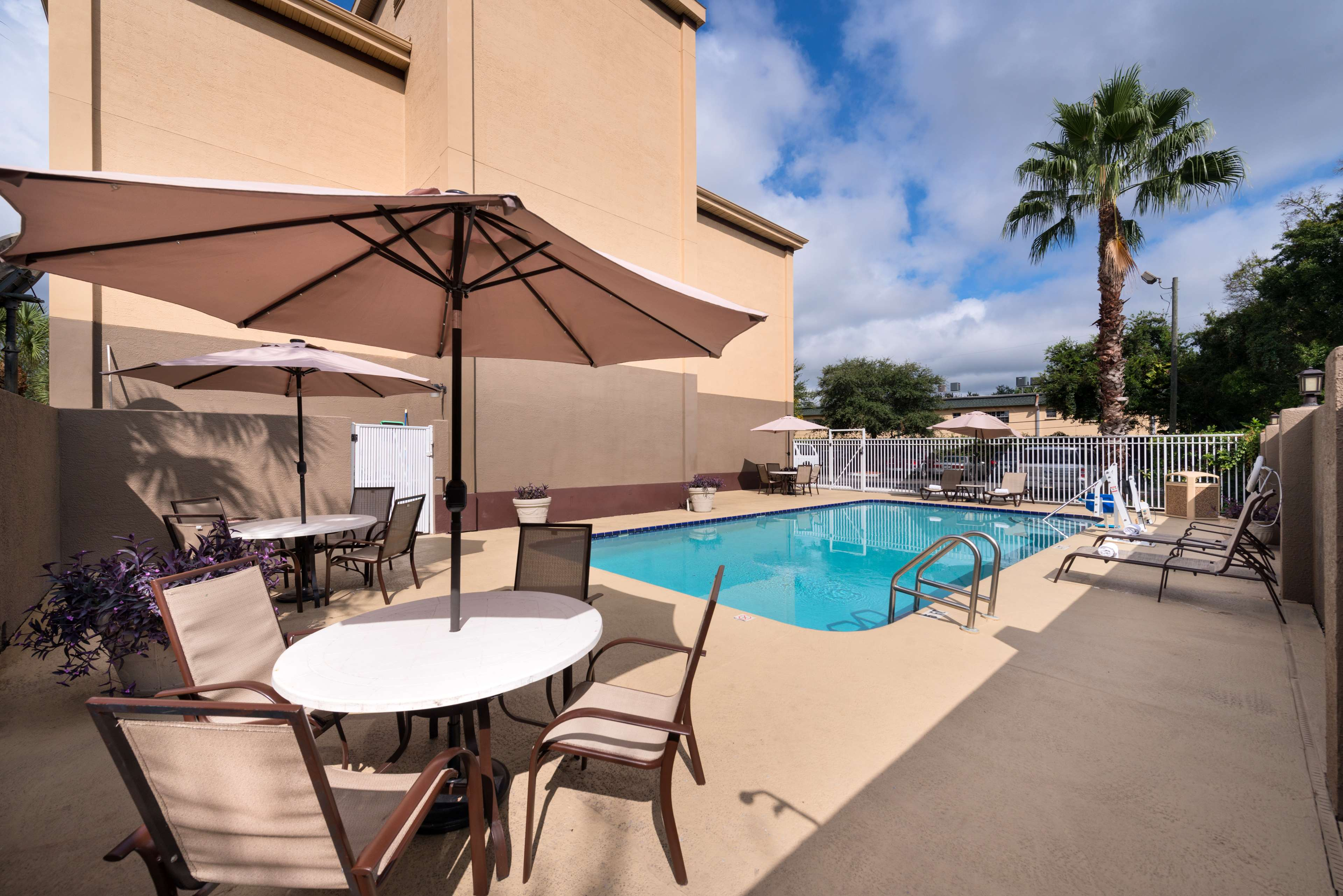 Best Western Tampa image 21