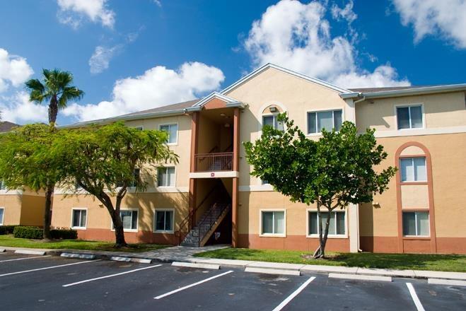 Waverly Apartments image 2
