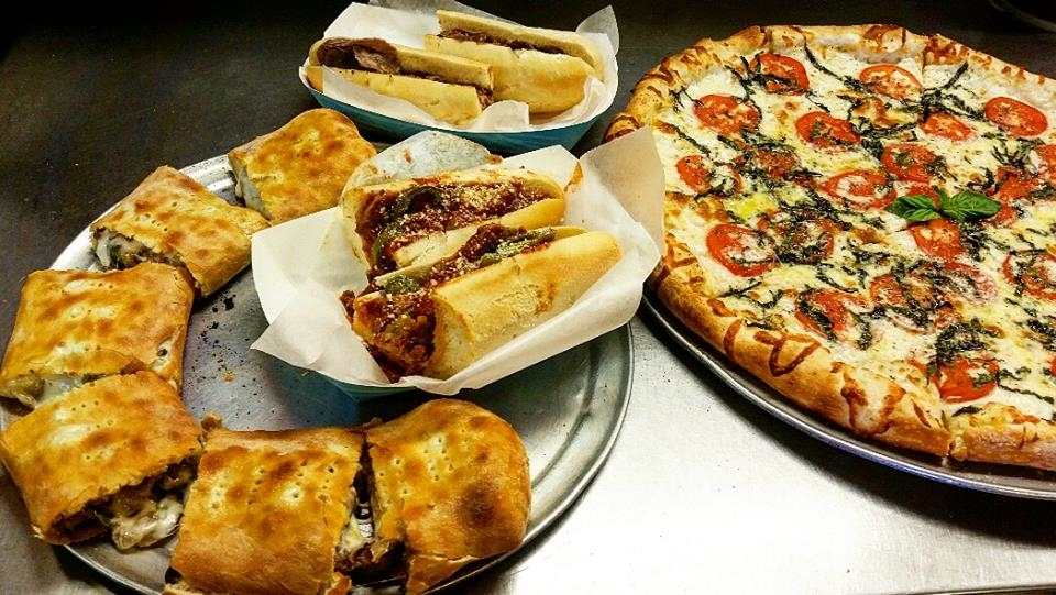 Ronnie's Pizza image 4
