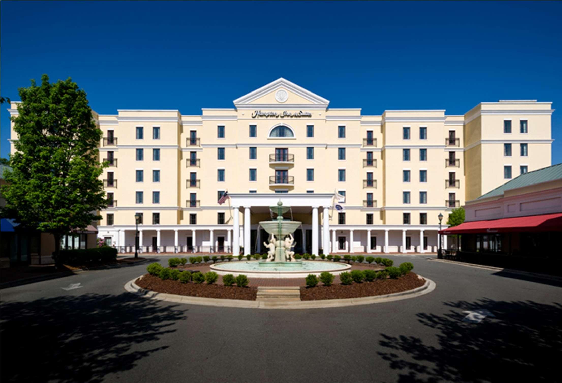 Hampton Inn & Suites Charlotte/South Park at Phillips Place image 1
