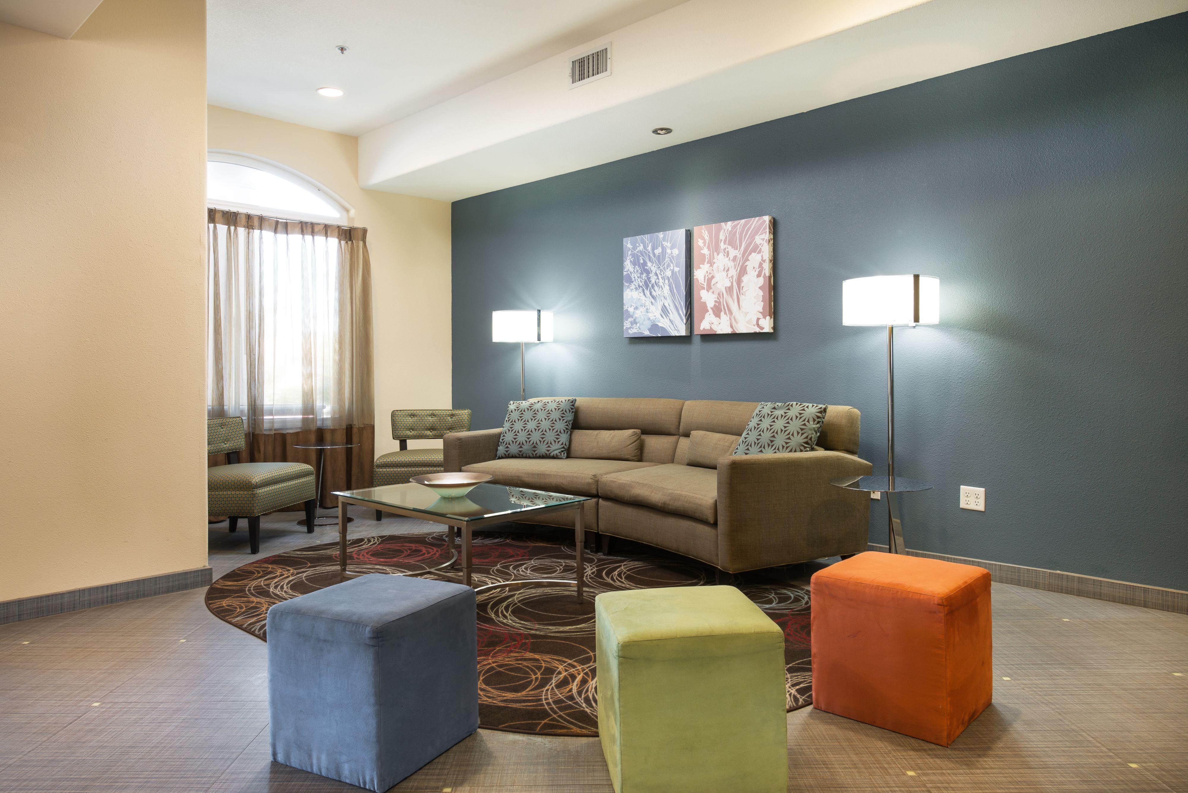 Holiday Inn Express & Suites Chowchilla - Yosemite Pk Area image 5