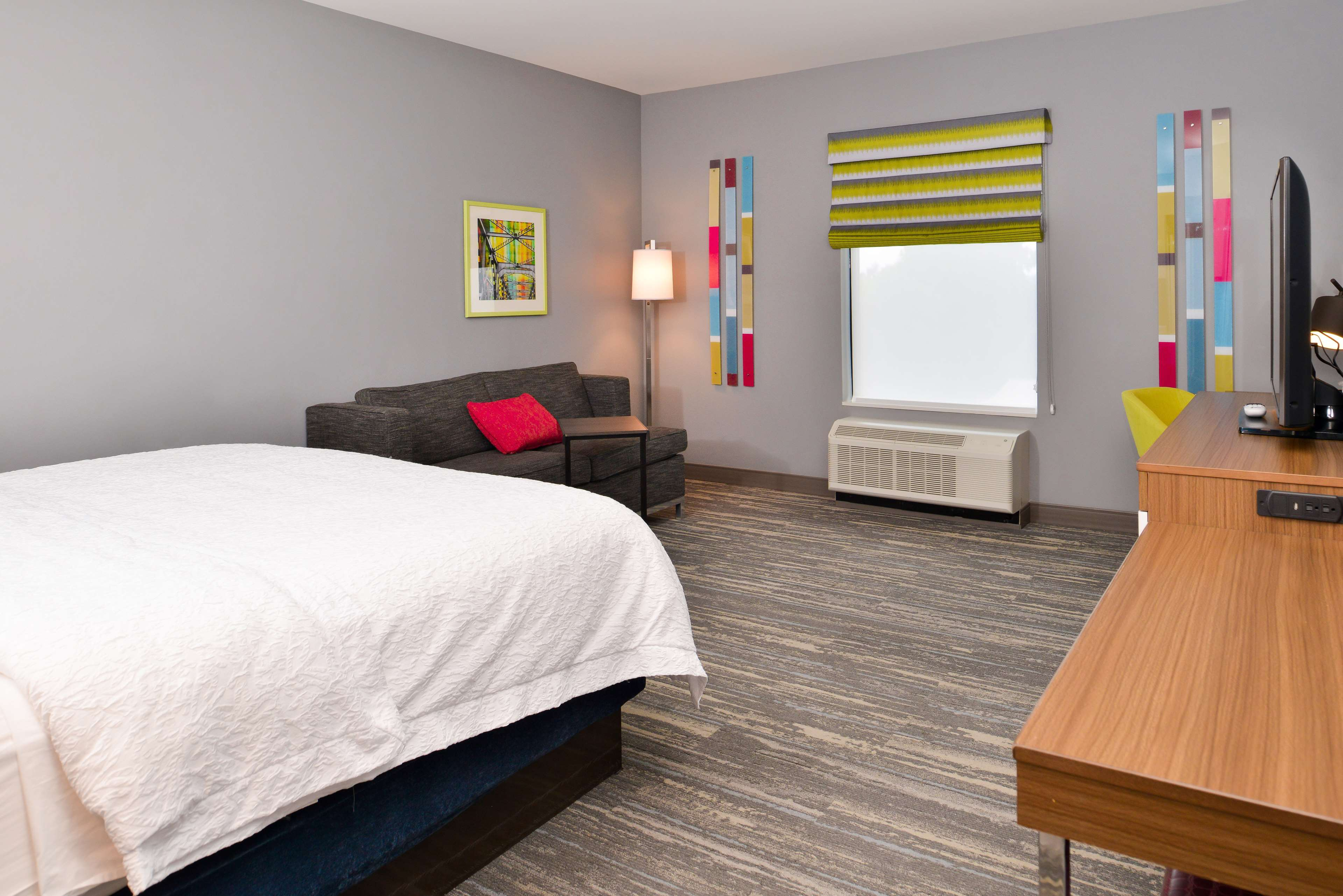 Hampton Inn & Suites St. Paul Oakdale/Woodbury image 14