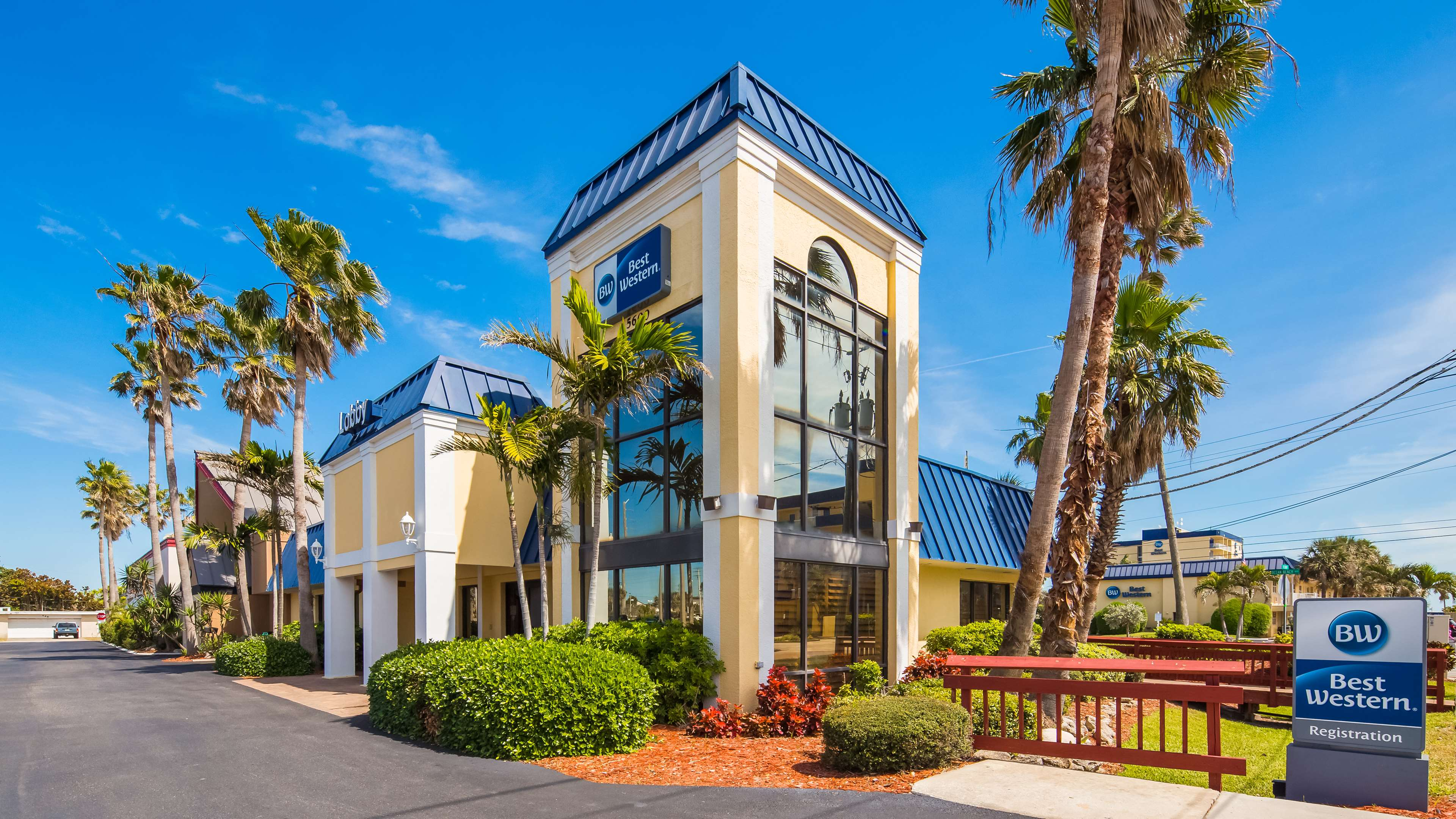 Best Western Cocoa Beach Hotel & Suites image 0