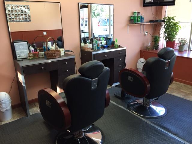 Arturo's Hair Cutters image 1