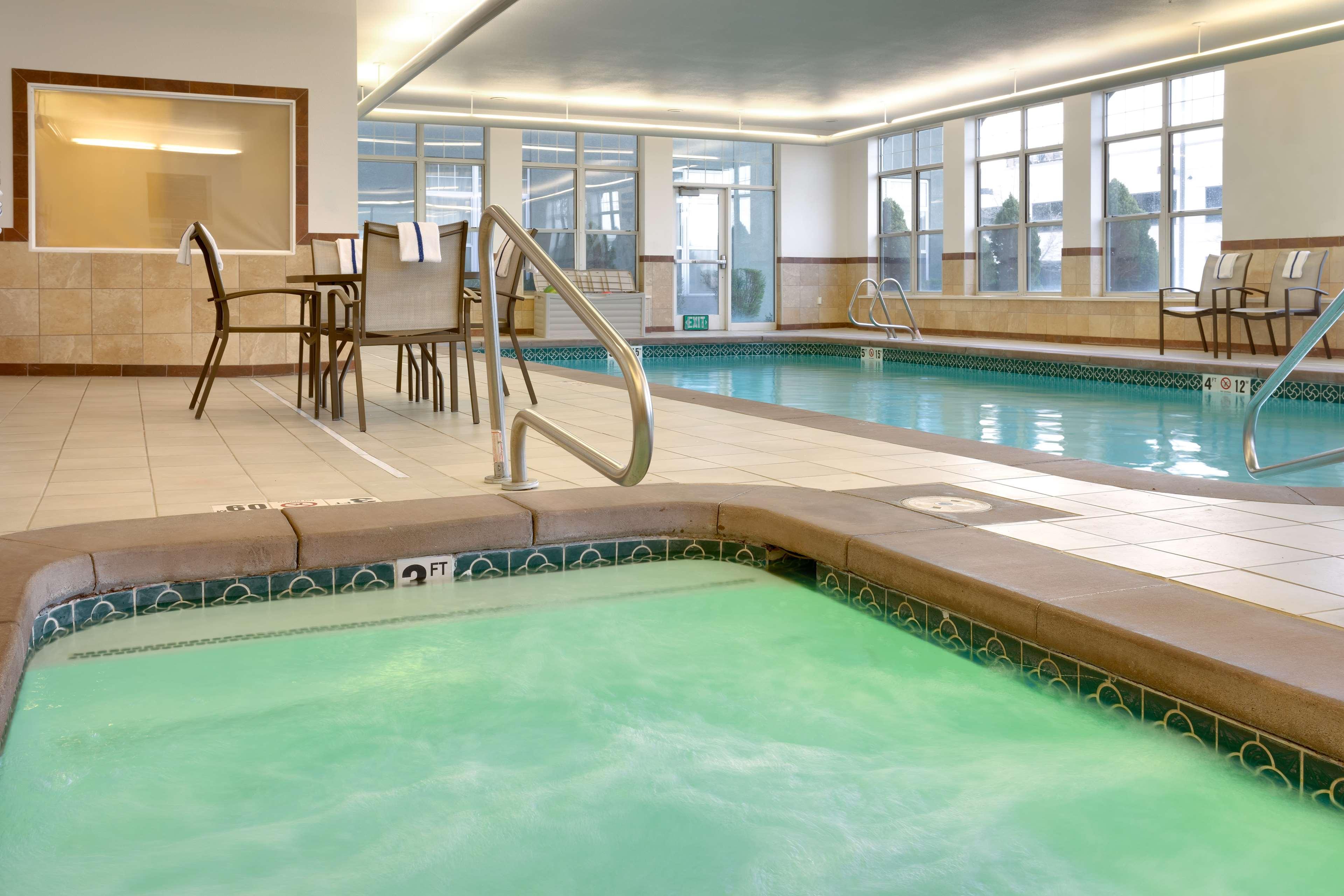 Hampton Inn & Suites Orem image 6