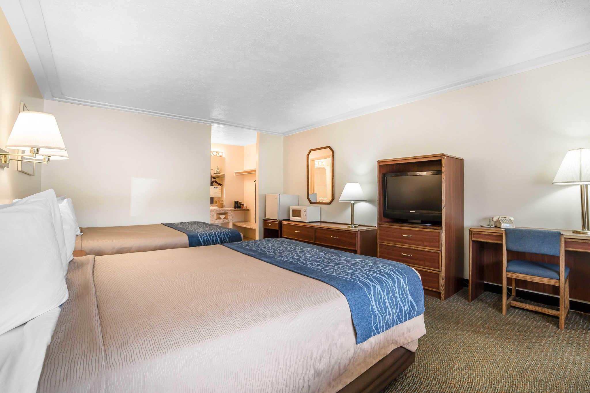 Rodeway Inn Pronghorn Lodge image 22