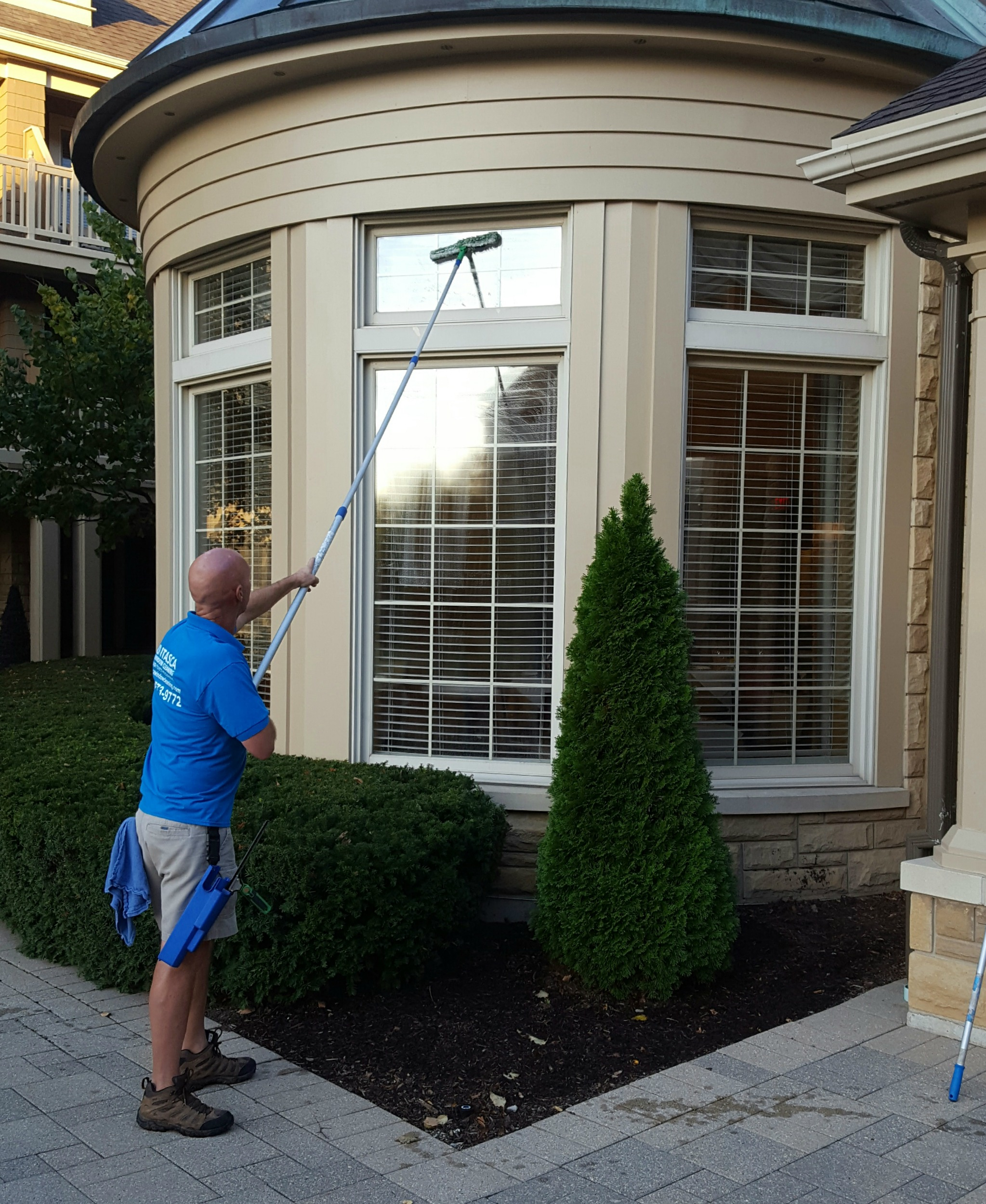 Itasca Window Cleaning image 2