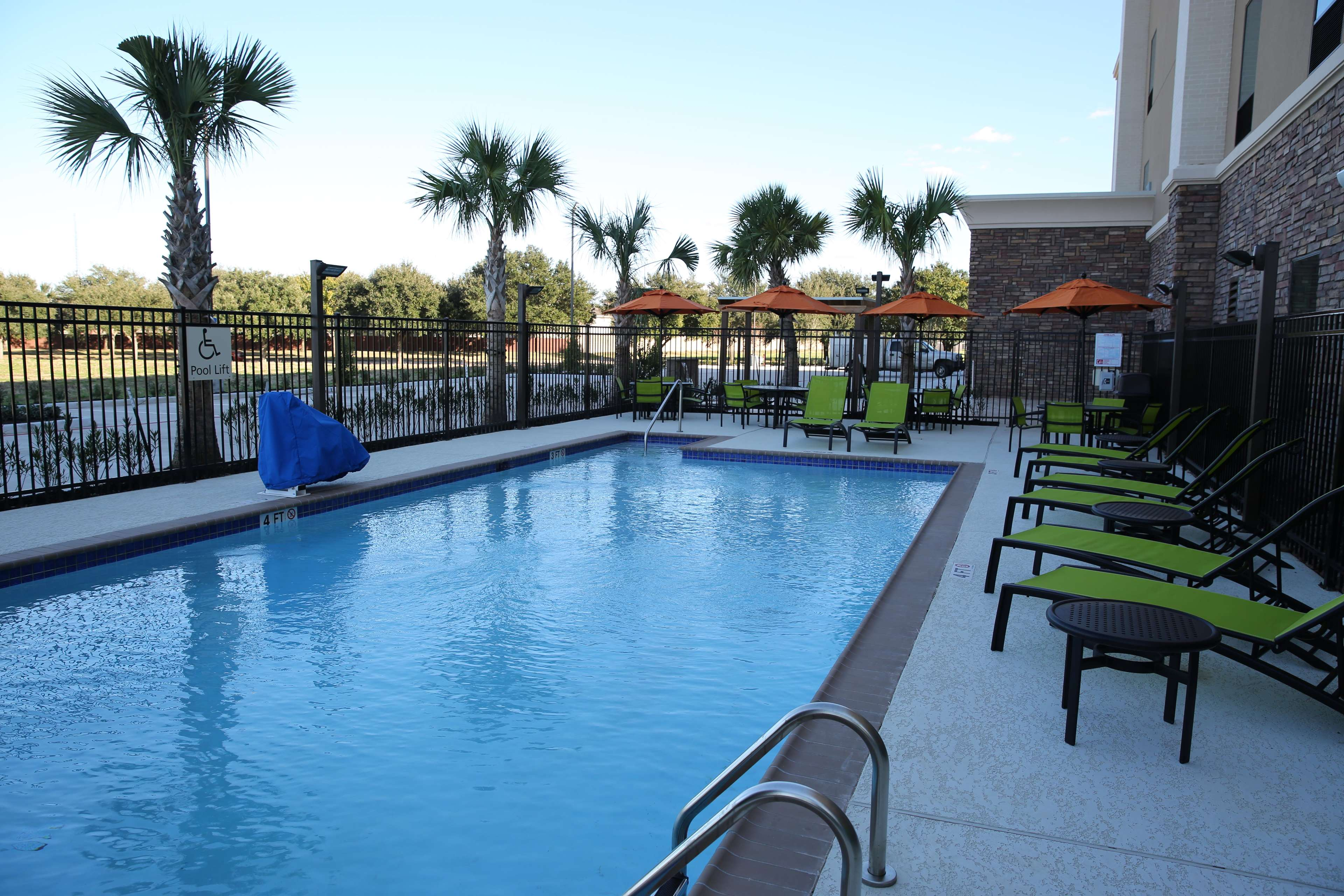 Hampton Inn & Suites Missouri City, TX image 15