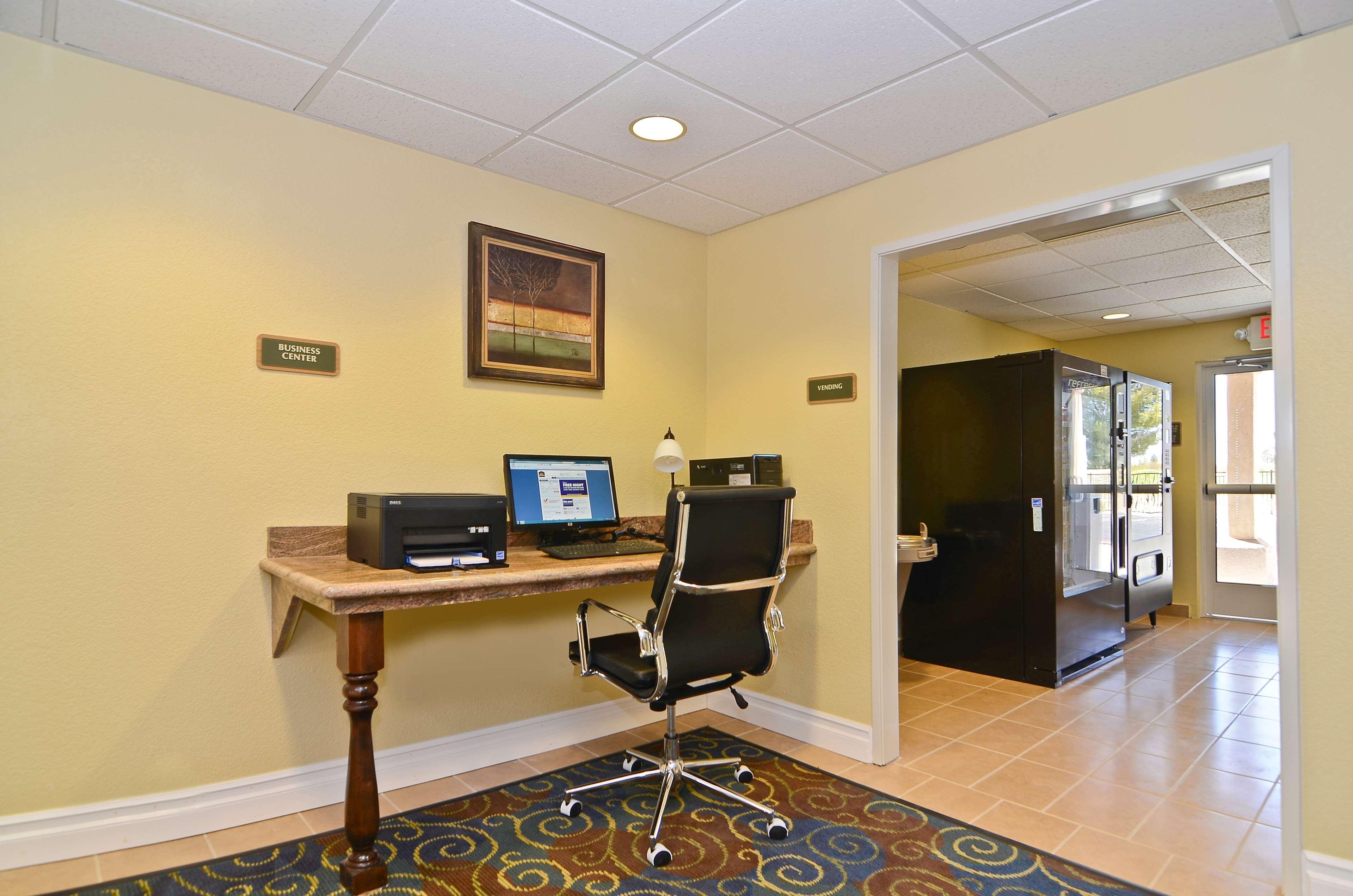 Best Western California City Inn & Suites image 29