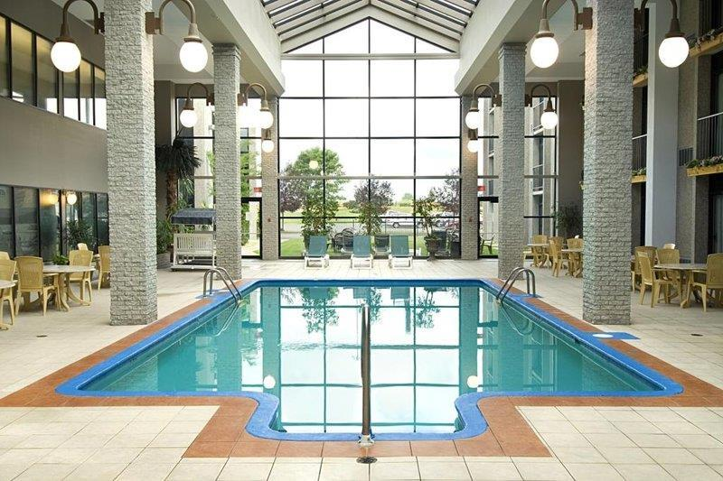 Best Western Plus Hotel Universel Drummondville à Drummondville: Indoor Pool